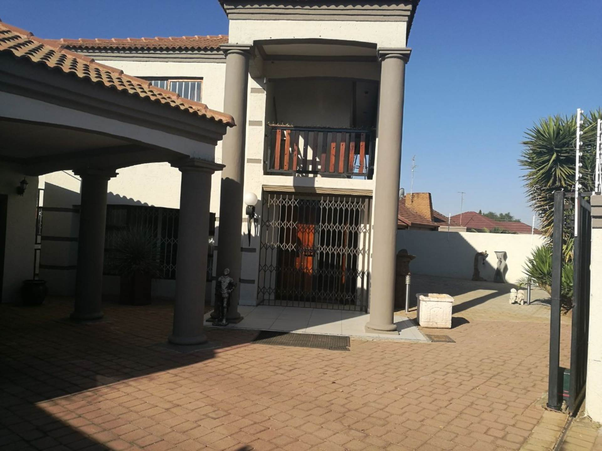 7 BedroomHouse For Sale In Strubenvale