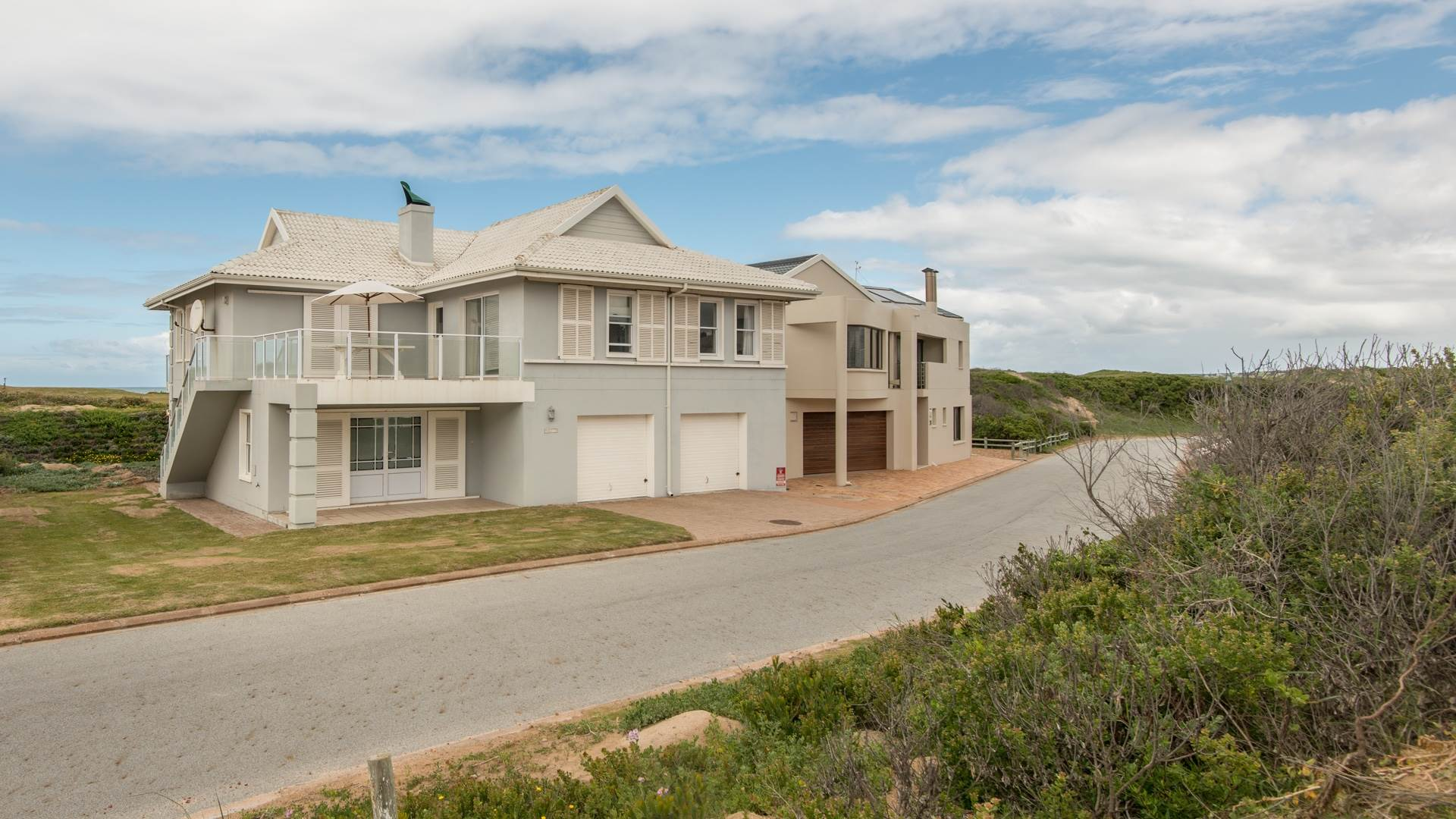 5 BedroomHouse For Sale In Still Bay East