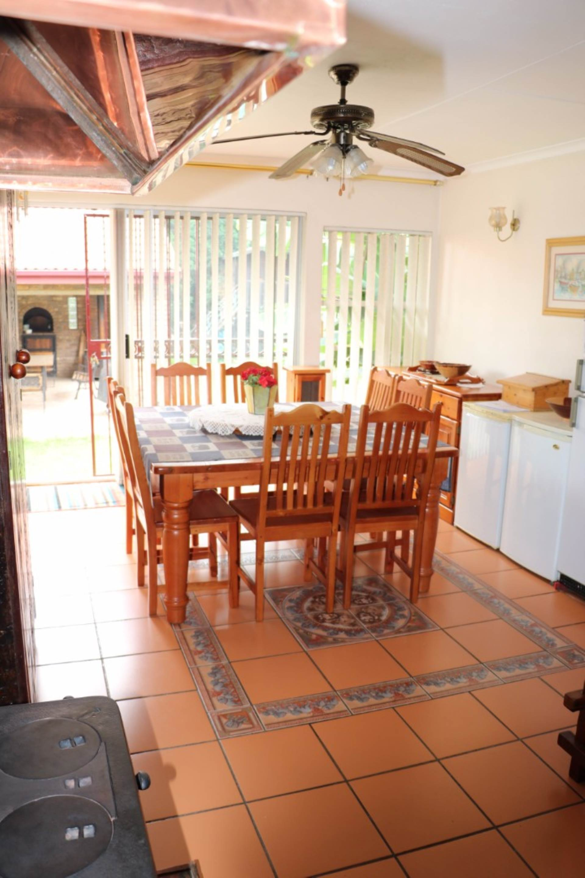 Garsfontein property for sale. Ref No: 13537532. Picture no 5