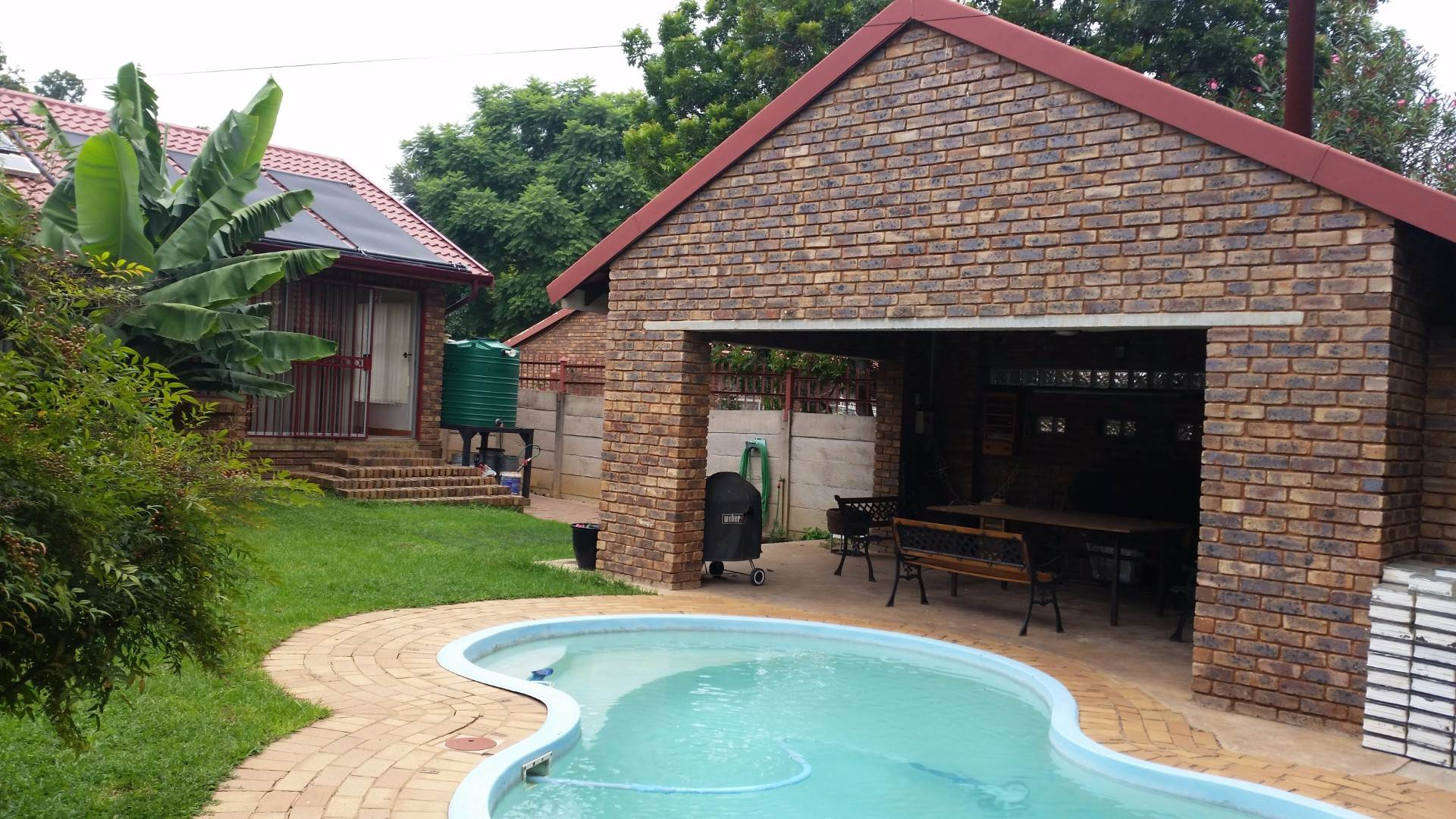 Garsfontein property for sale. Ref No: 13537532. Picture no 16