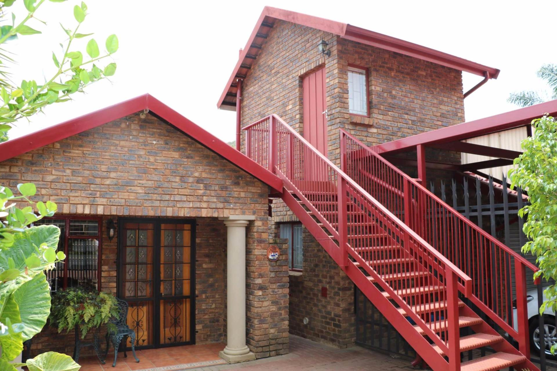 Garsfontein property for sale. Ref No: 13537532. Picture no 3