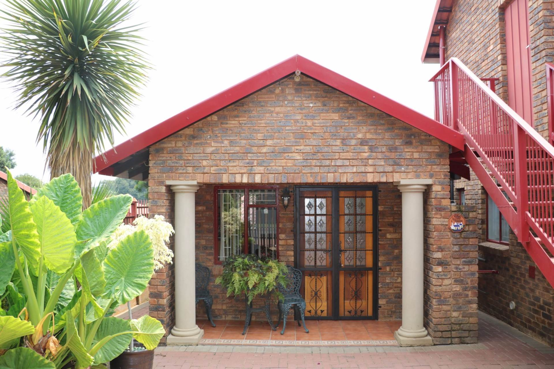 Garsfontein property for sale. Ref No: 13537532. Picture no 2