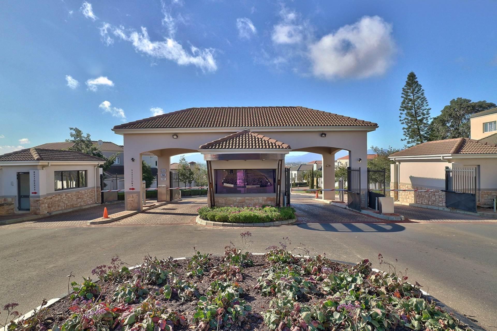 Avalon Estate property for sale. Ref No: 13537748. Picture no 18