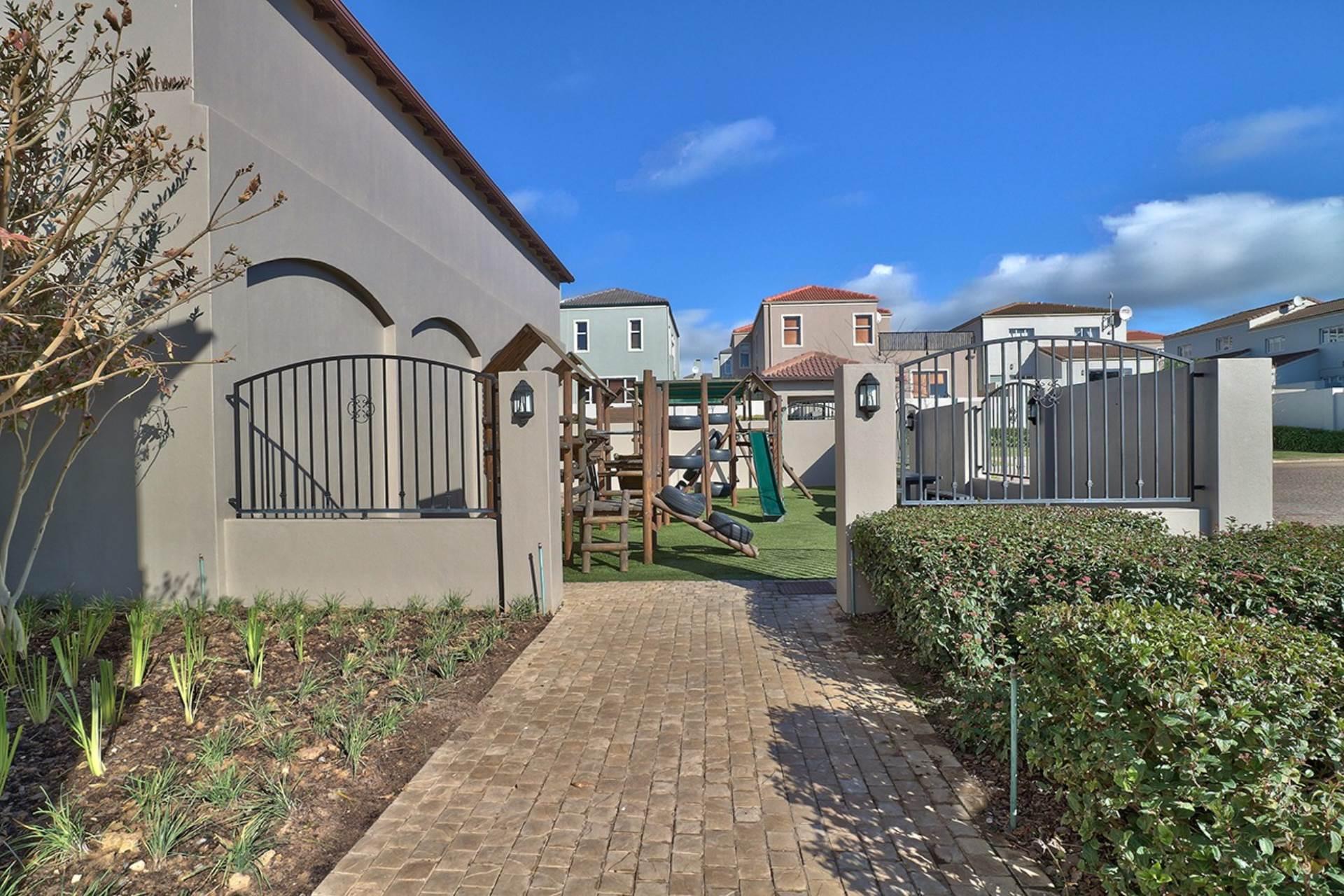 Avalon Estate property for sale. Ref No: 13537748. Picture no 25