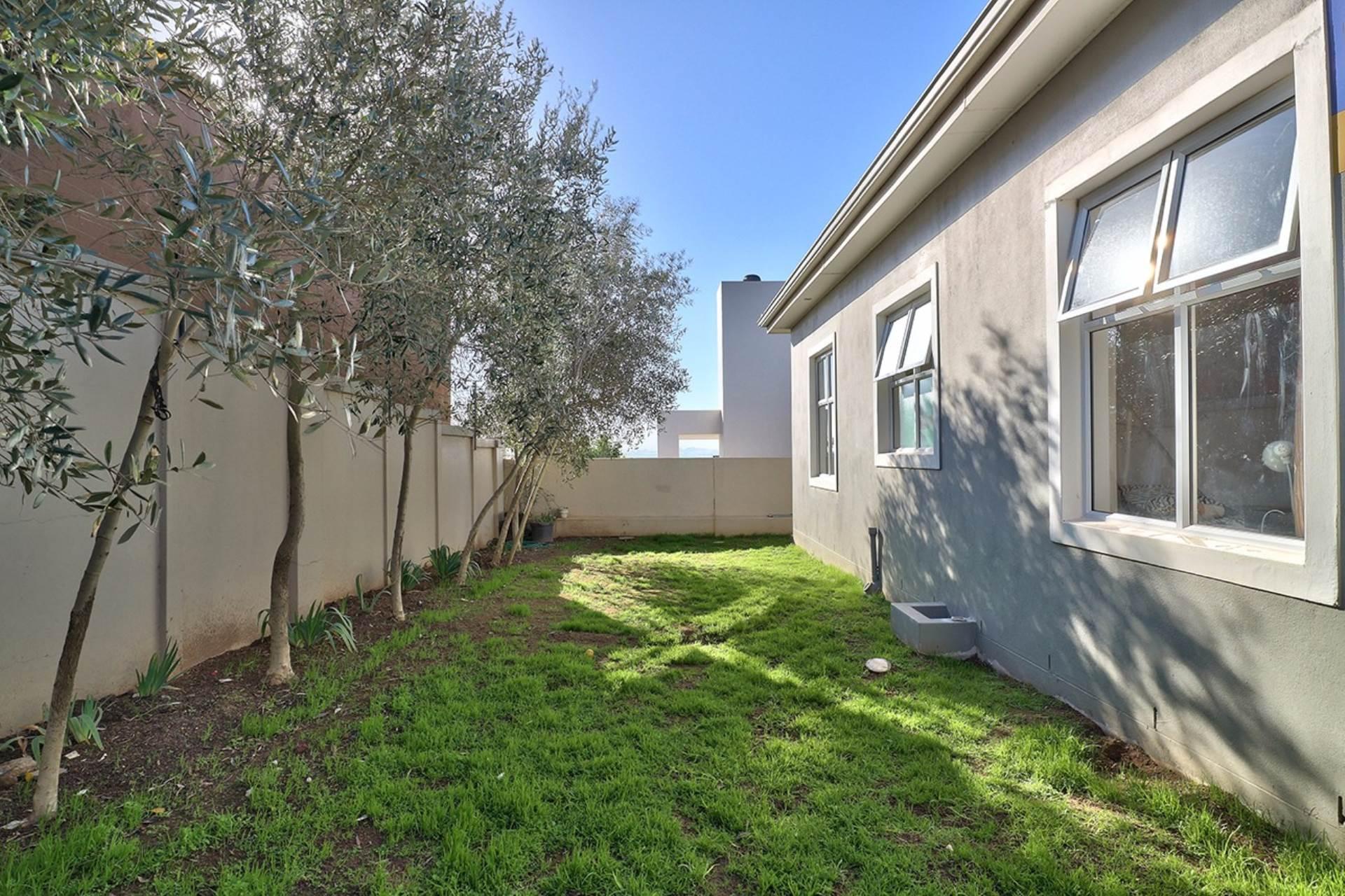 Avalon Estate property for sale. Ref No: 13537748. Picture no 15