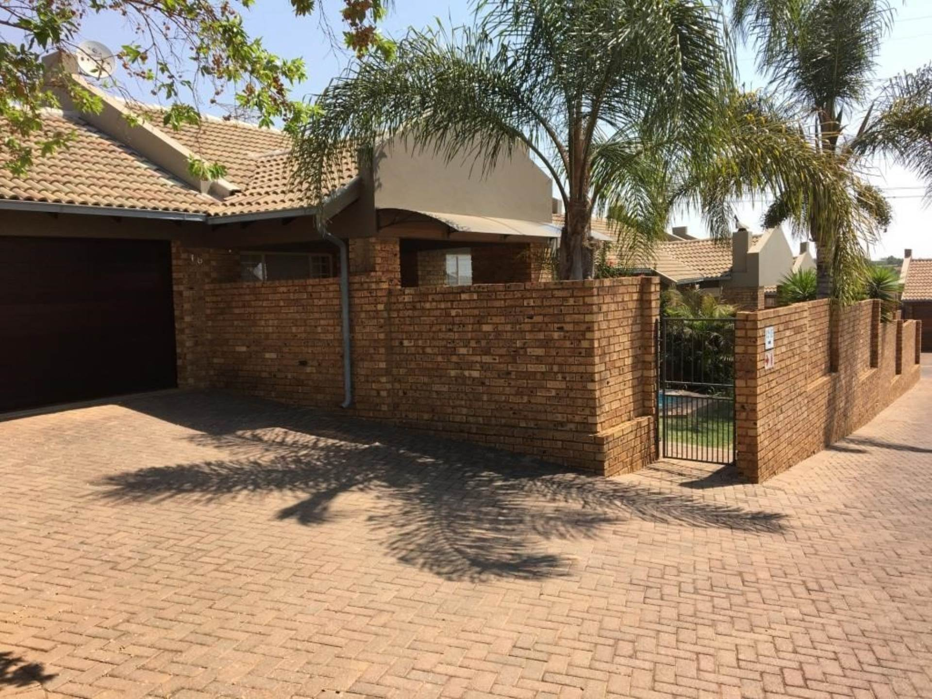 Pretoria, The Wilds Property  | Houses To Rent The Wilds, THE WILDS, Townhouse 2 bedrooms property to rent Price:, 11,00*