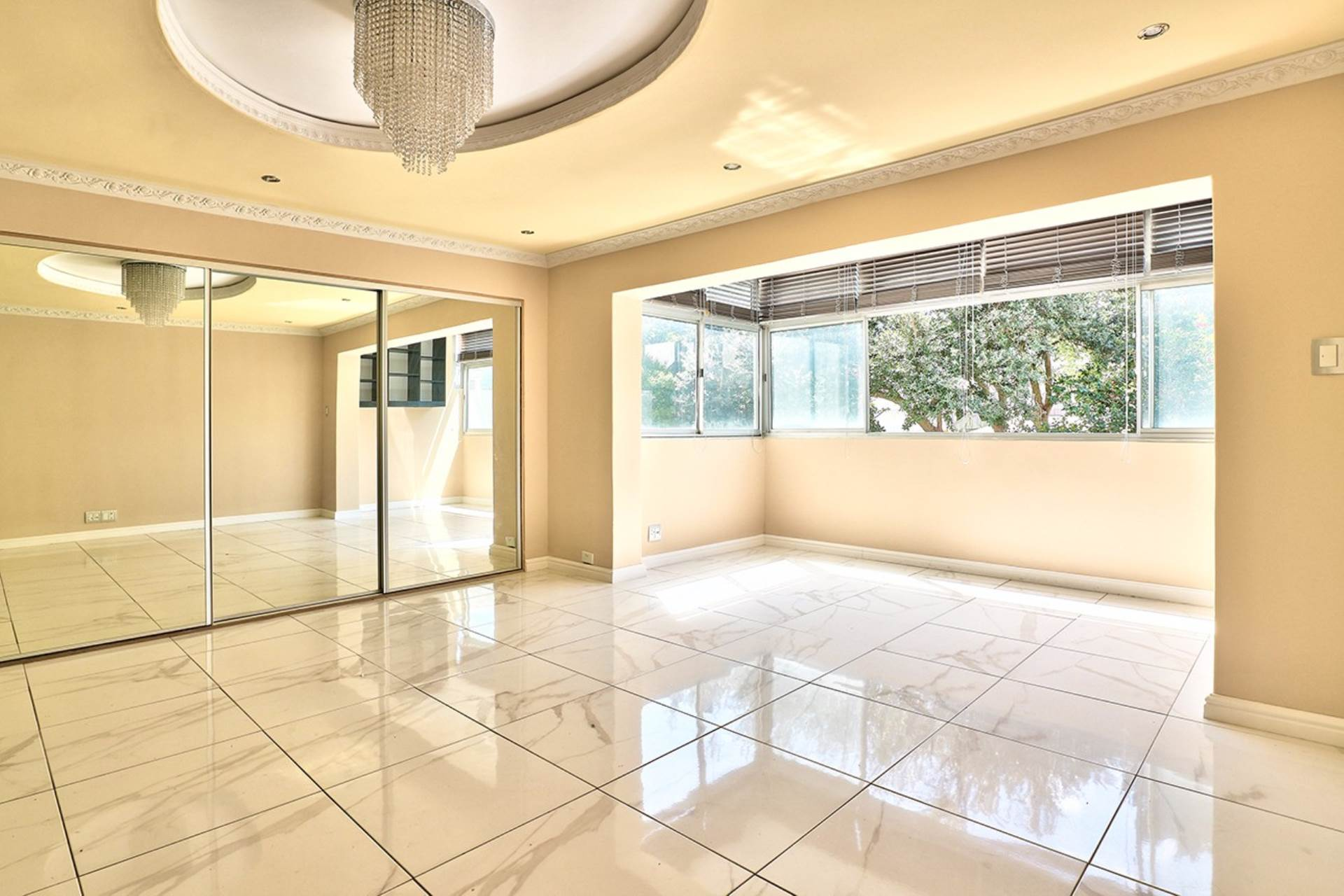 Sea Point property for sale. Ref No: 13537760. Picture no 1