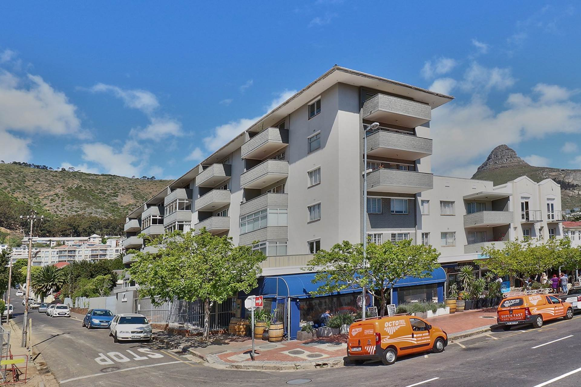 Sea Point property for sale. Ref No: 13537760. Picture no 12