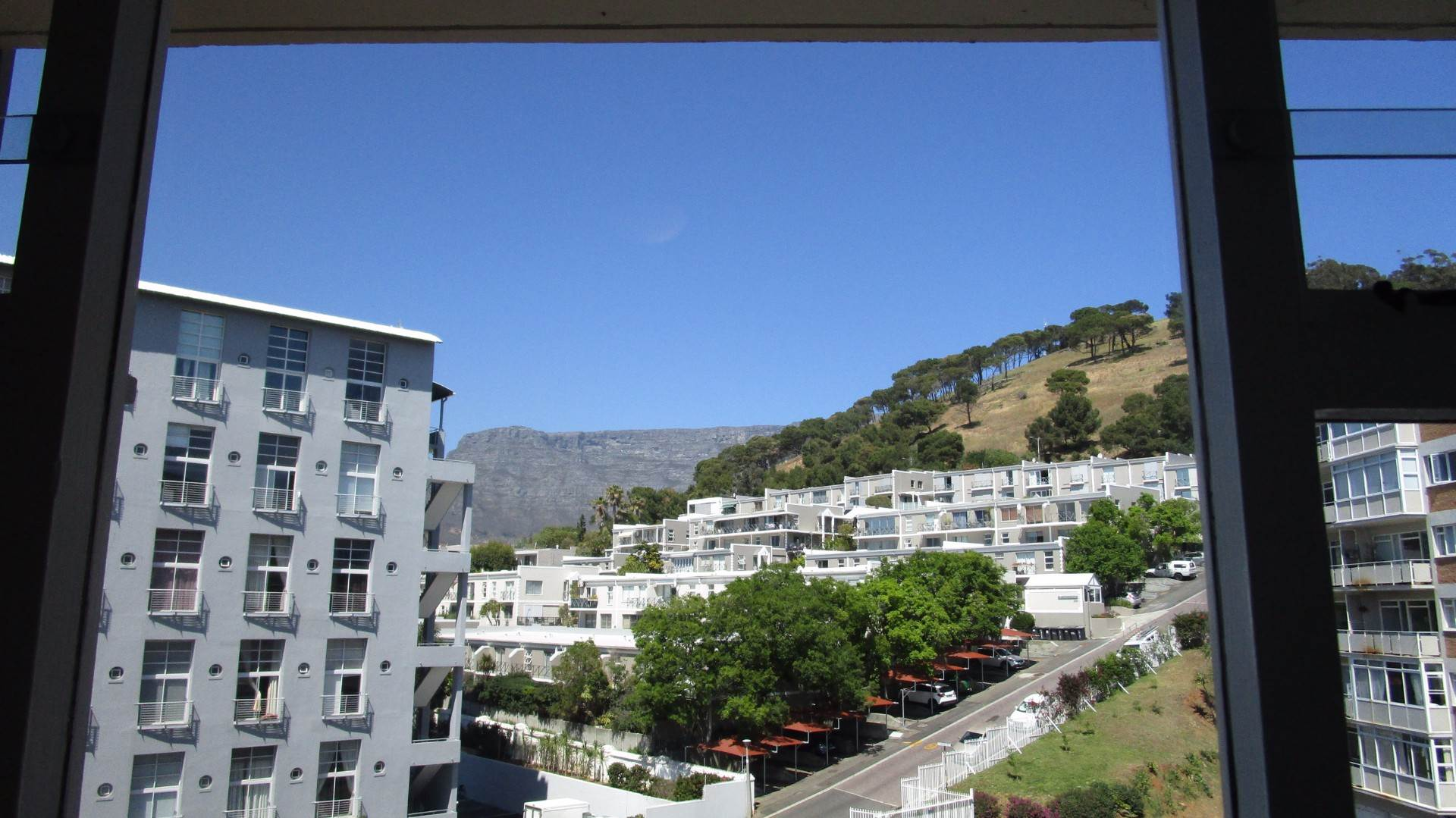 Green Point property to rent. Ref No: 13537806. Picture no 10