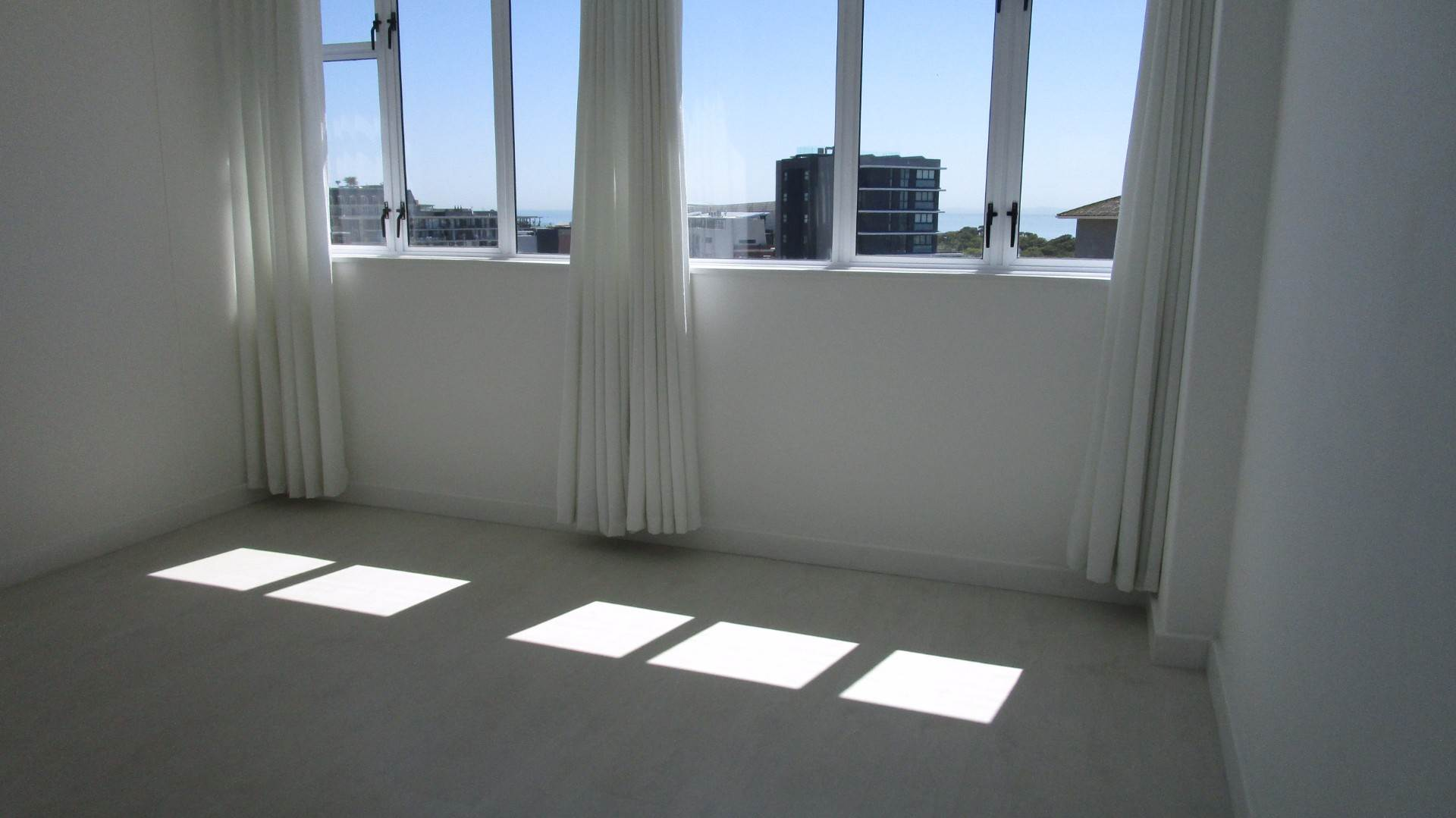Green Point property to rent. Ref No: 13537806. Picture no 7