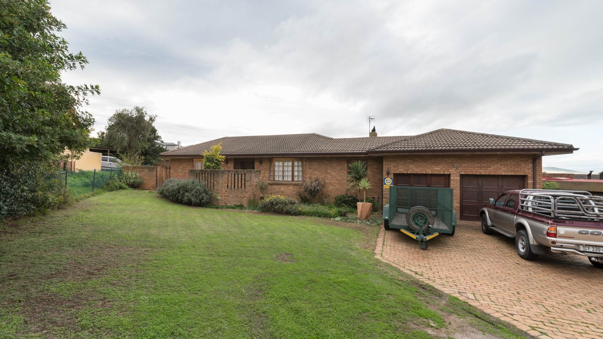 3 BedroomHouse For Sale In Aurora