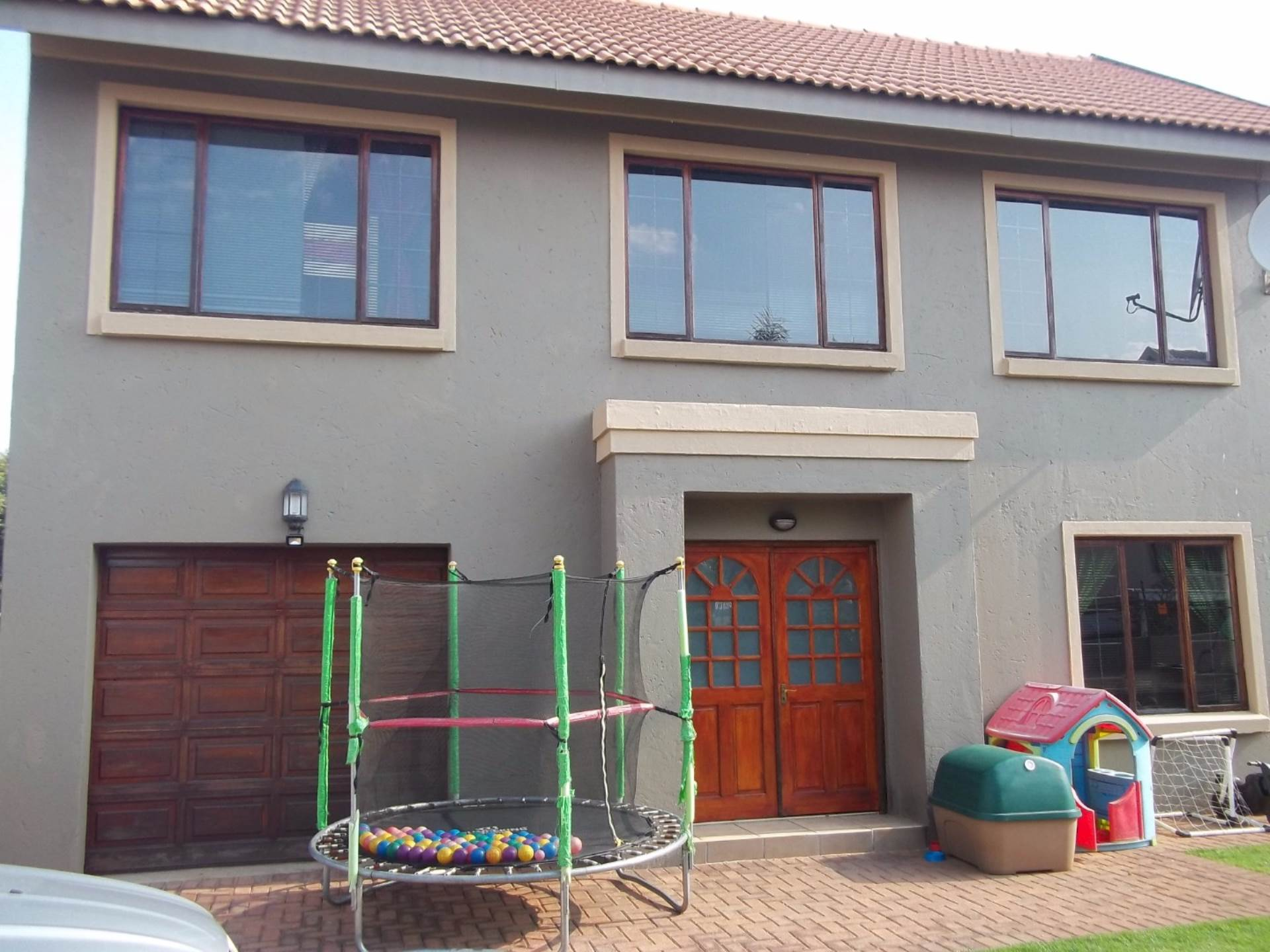 3 BedroomCluster For Sale In Dalview