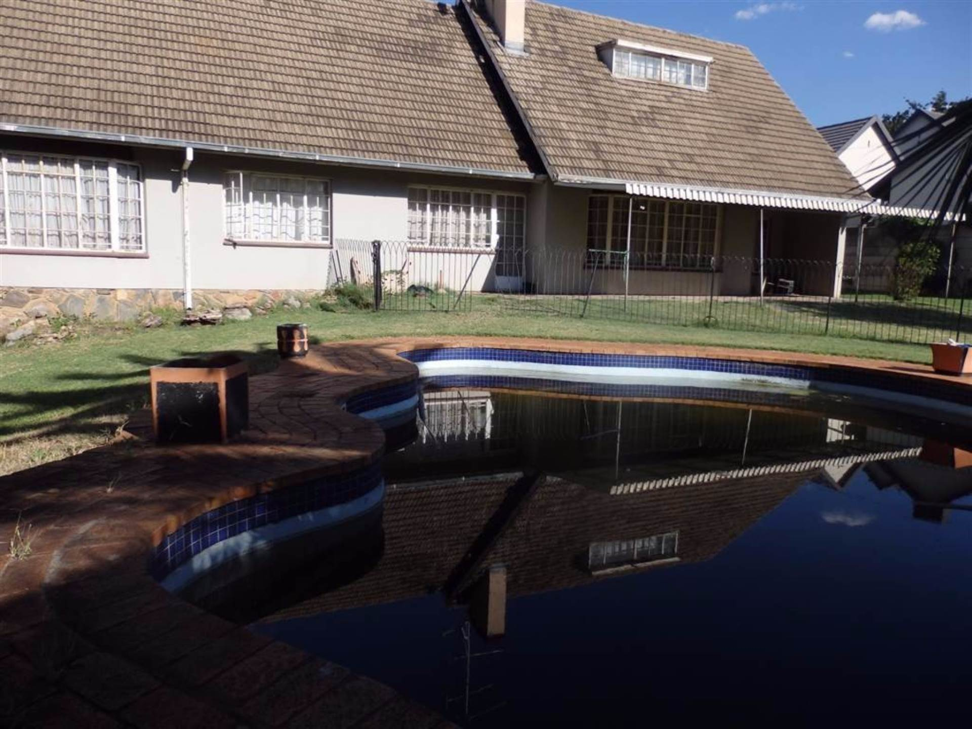 4 BedroomHouse For Sale In Kew