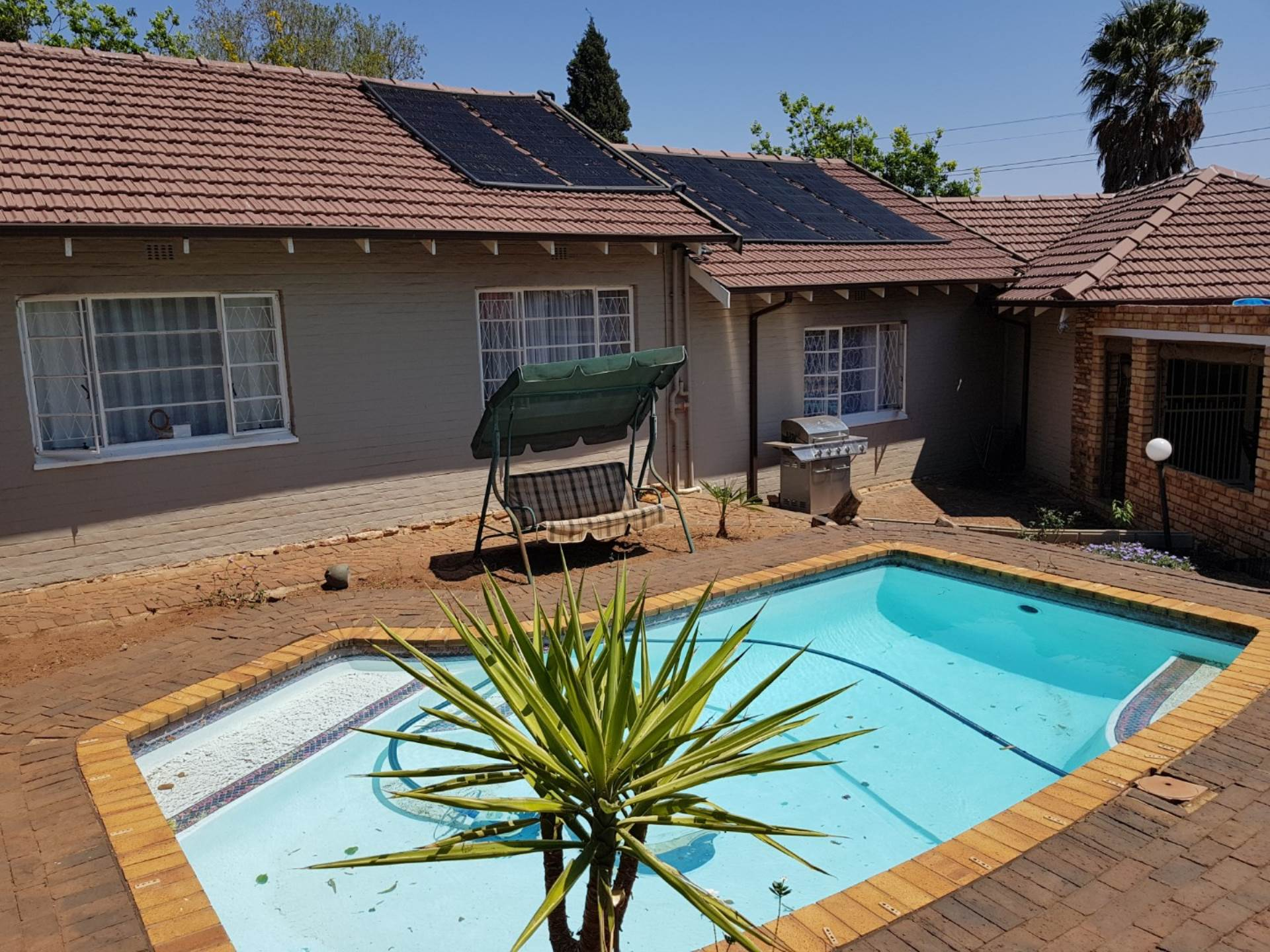 3 BedroomHouse For Sale In Helderkruin Ext 20