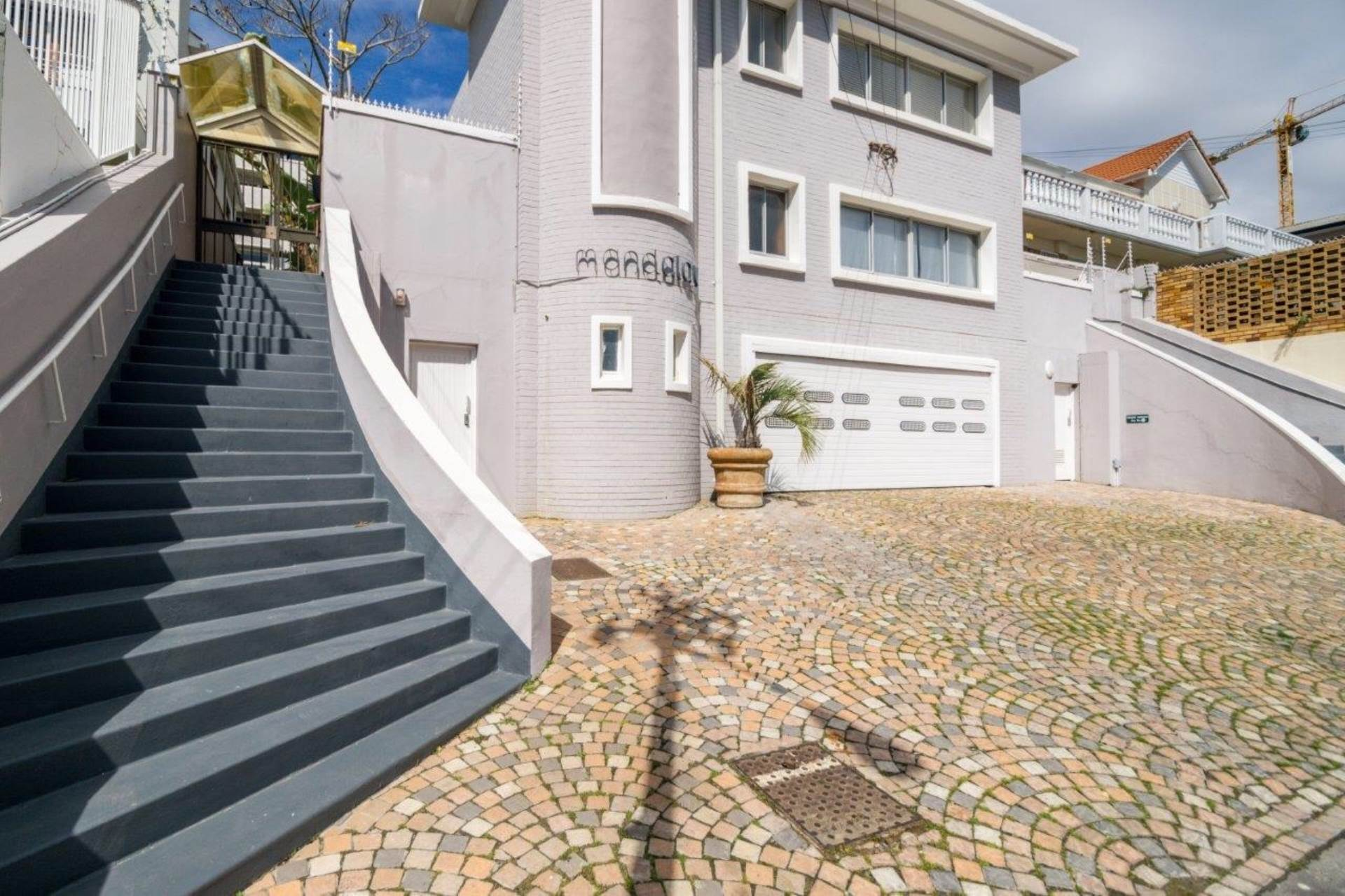 Sea Point property for sale. Ref No: 13539591. Picture no 15