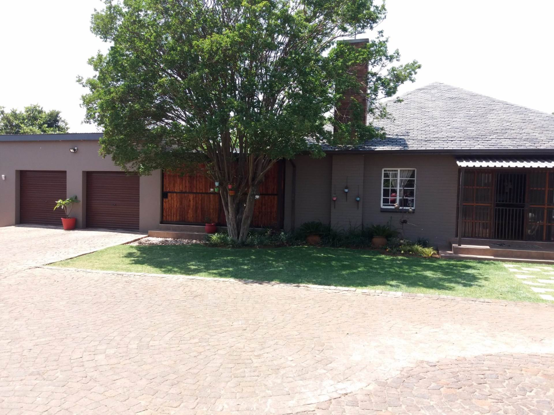 4 BedroomHouse To Rent In Rowhill