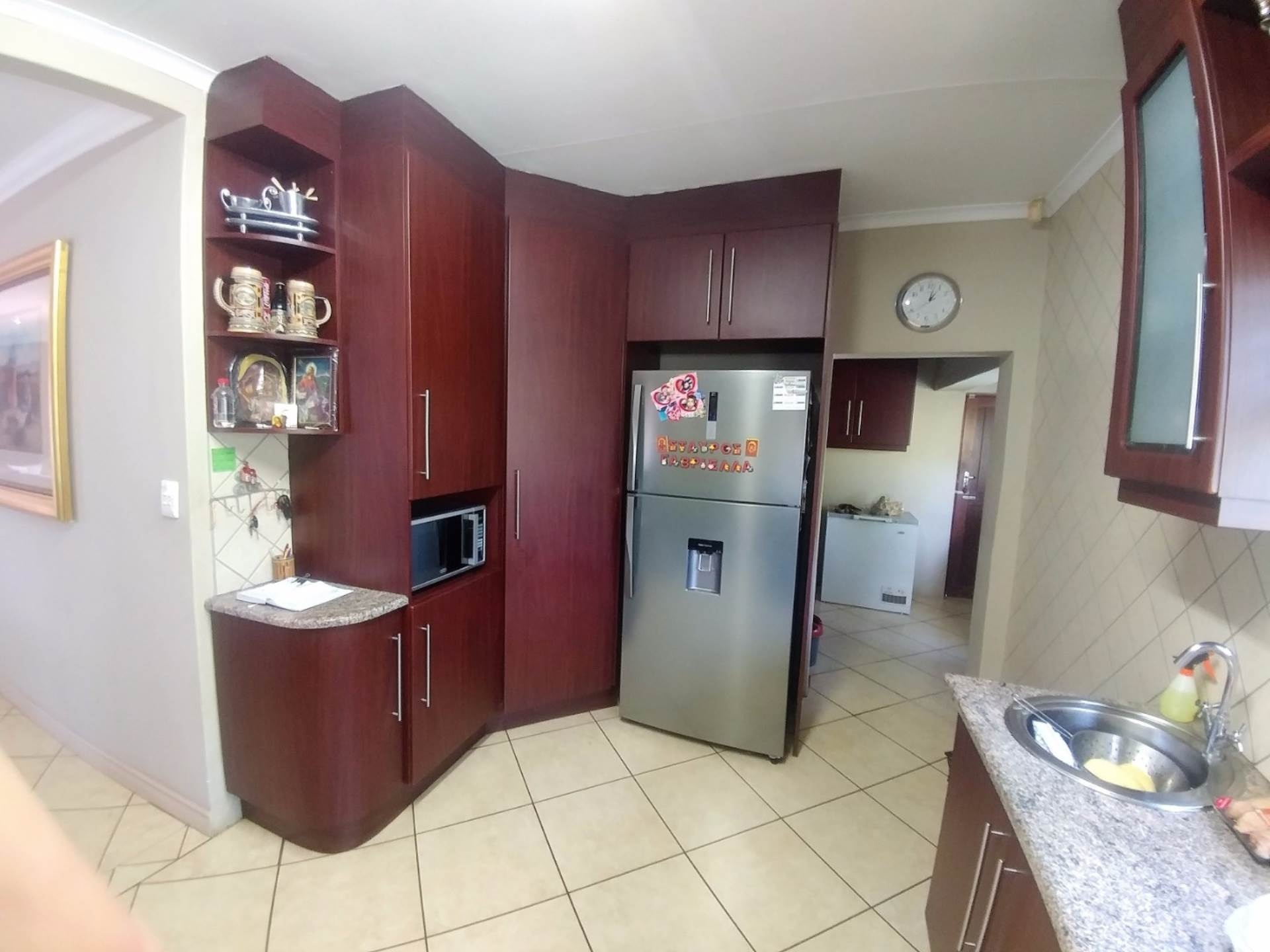 Waterkloof Ridge property for sale. Ref No: 13539454. Picture no 2