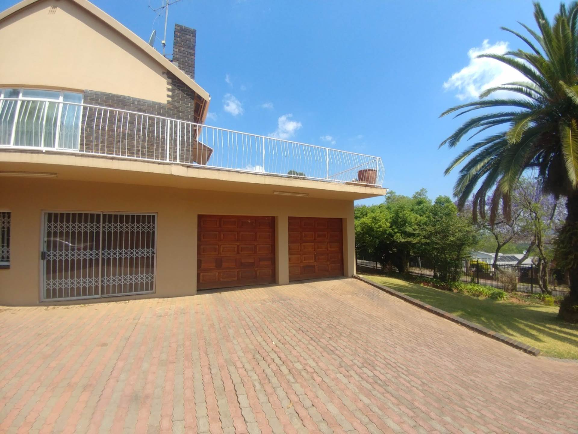 Waterkloof Ridge property for sale. Ref No: 13539454. Picture no 5