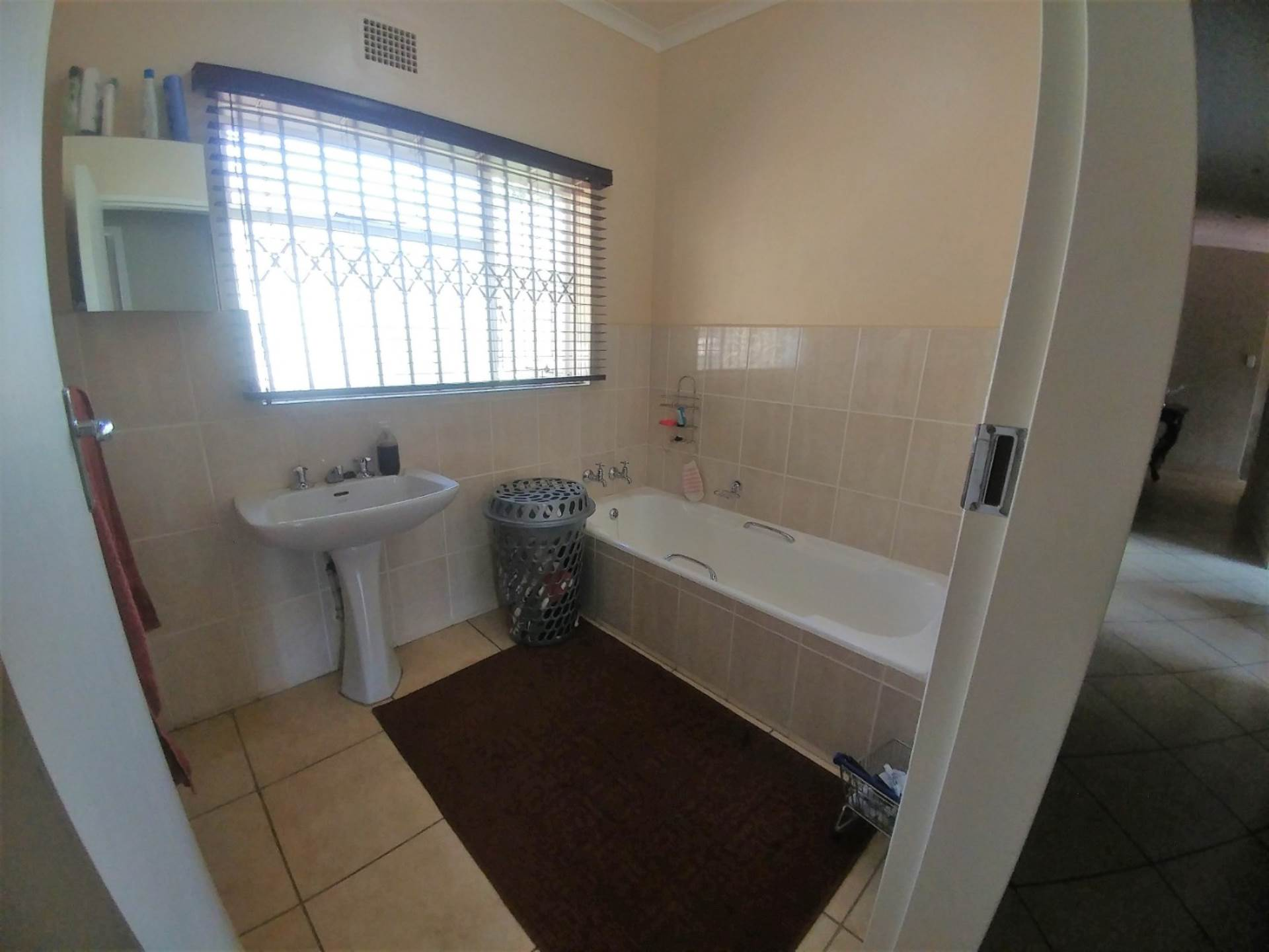 Waterkloof Ridge property for sale. Ref No: 13539454. Picture no 15
