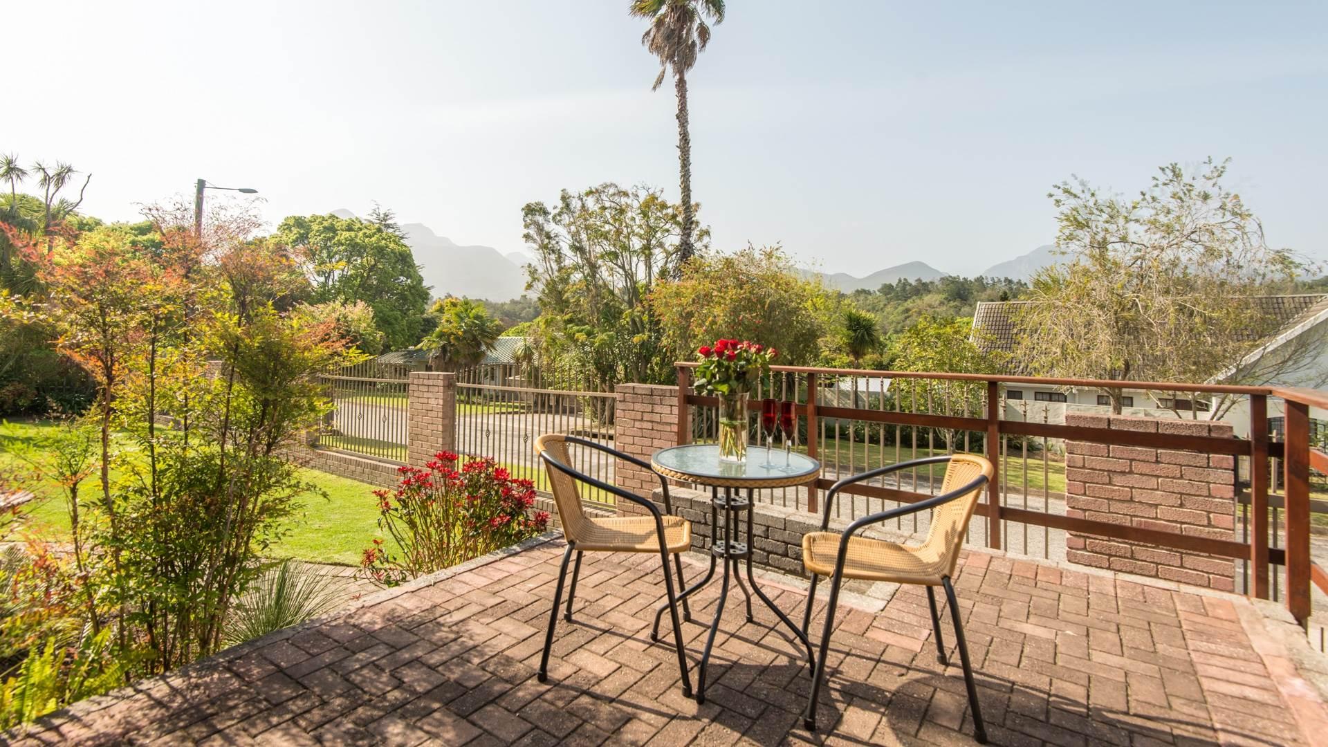 5 BedroomHouse For Sale In Eden