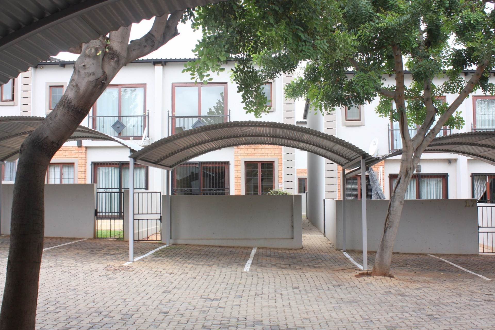 2 BedroomTownhouse To Rent In Zwartkop