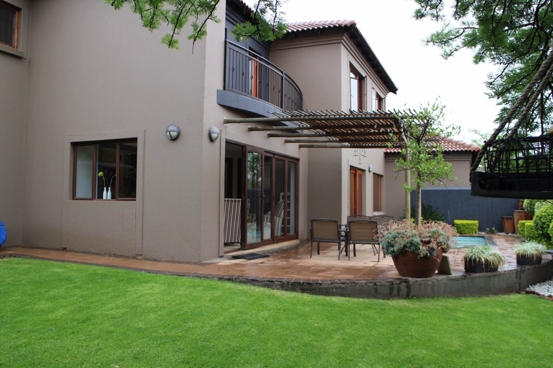 Property and Houses for sale in Six Fountains Residential Estate, House, 3 Bedrooms - ZAR 2,645,000
