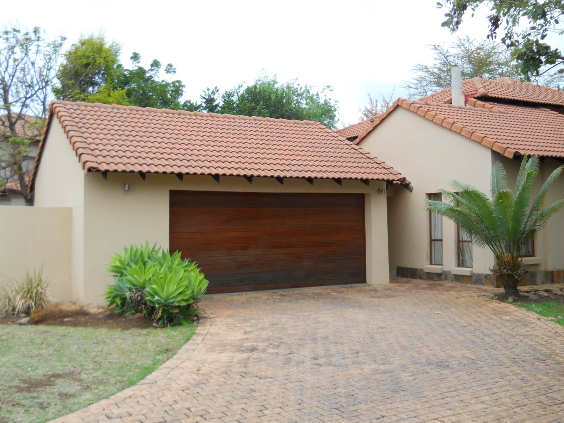 Property for Sale by Susan van Schalkwyk, WILLOW ACRES ESTATE, House 4 bedrooms property for sale Price:2,750,000