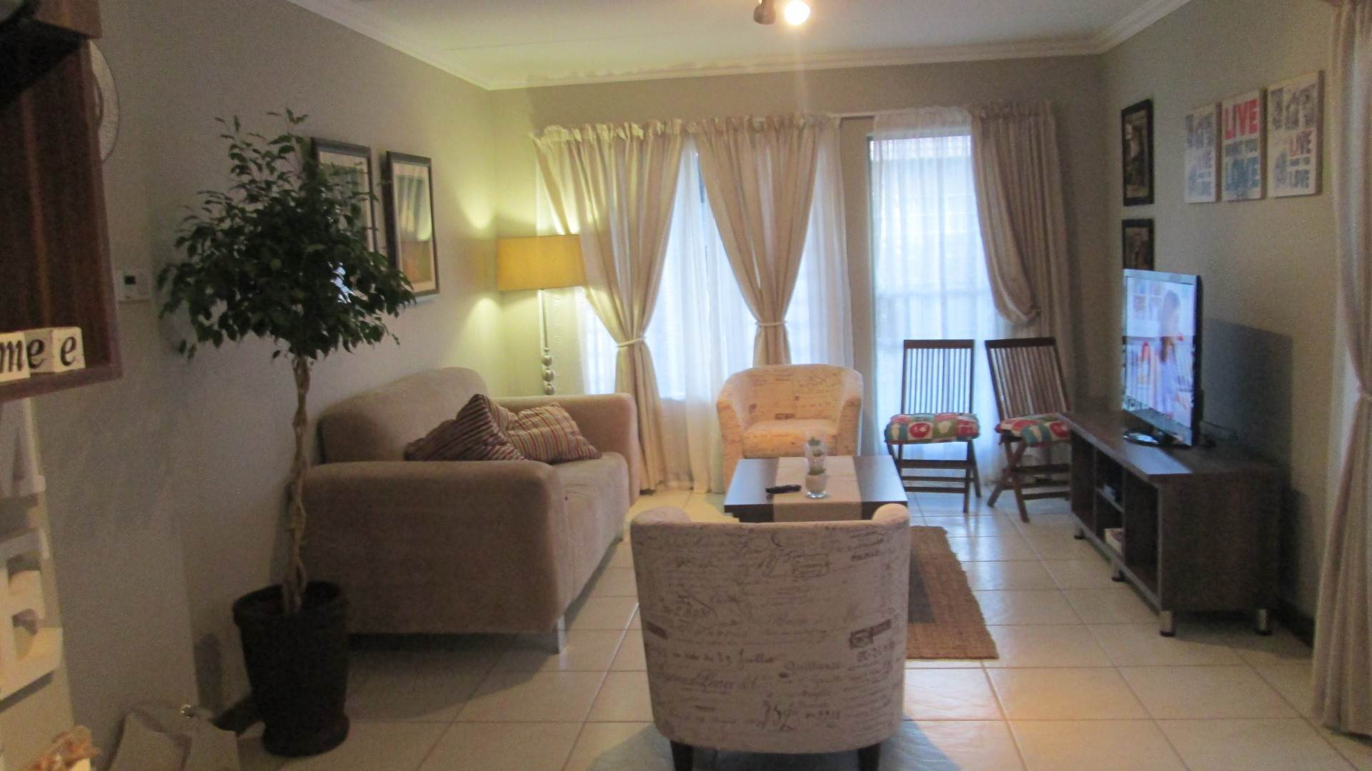 Andeon property for sale. Ref No: 13534868. Picture no 7