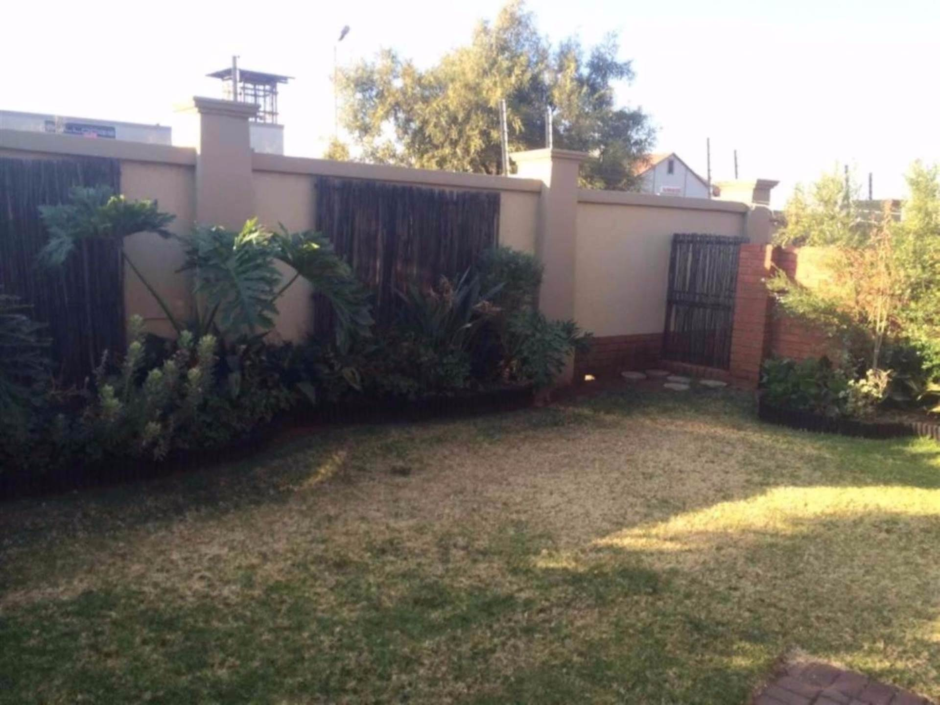 Centurion, Eco Park Property  | Houses For Sale Eco Park, ECO PARK, Townhouse 3 bedrooms property for sale Price:1,320,000