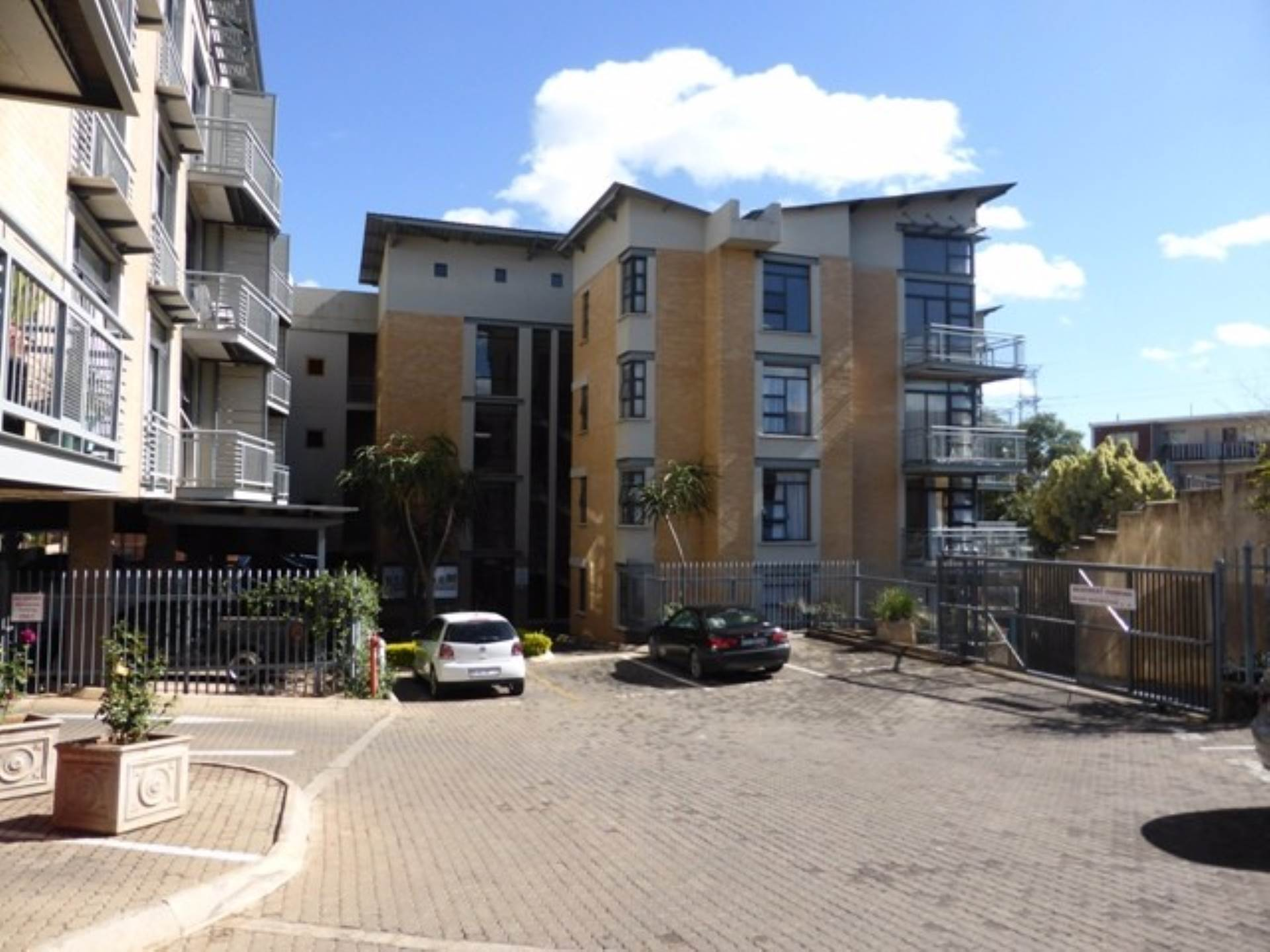 Lynnwood property to rent. Ref No: 13536648. Picture no 2