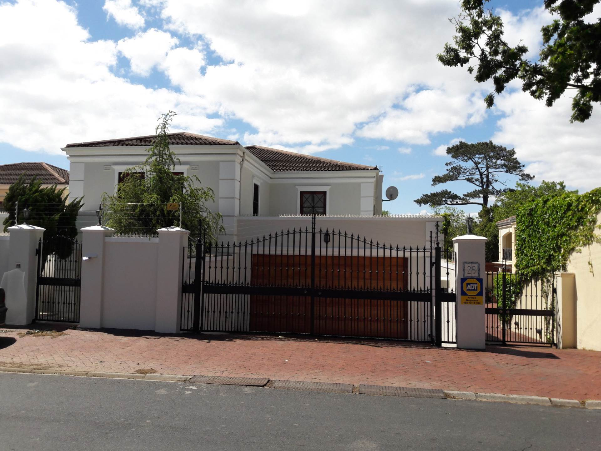 Property and Houses for sale in Claremont Upper, House, 4 Bedrooms - ZAR 10,650,000