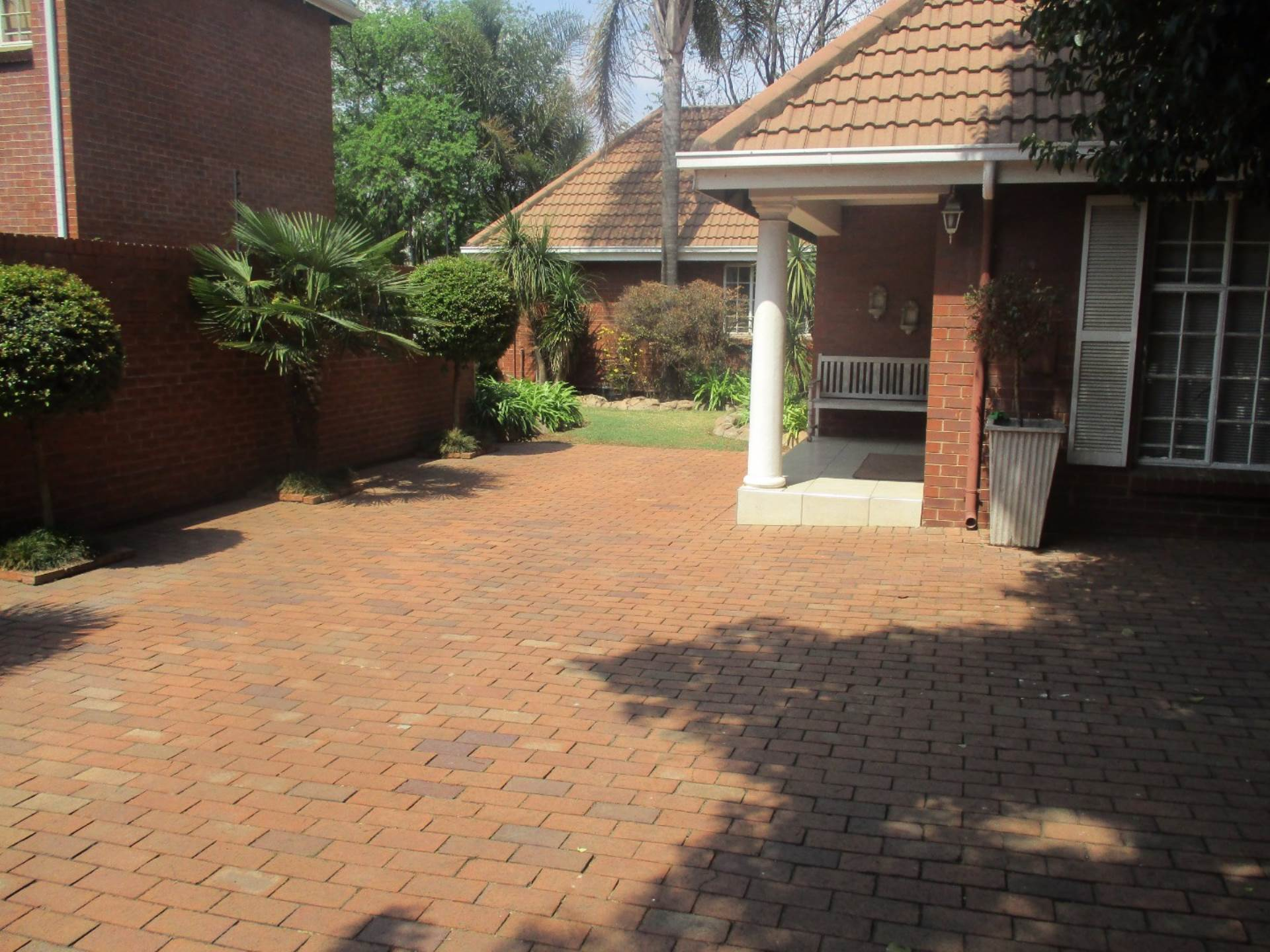 3 BedroomHouse For Sale In Lakefield