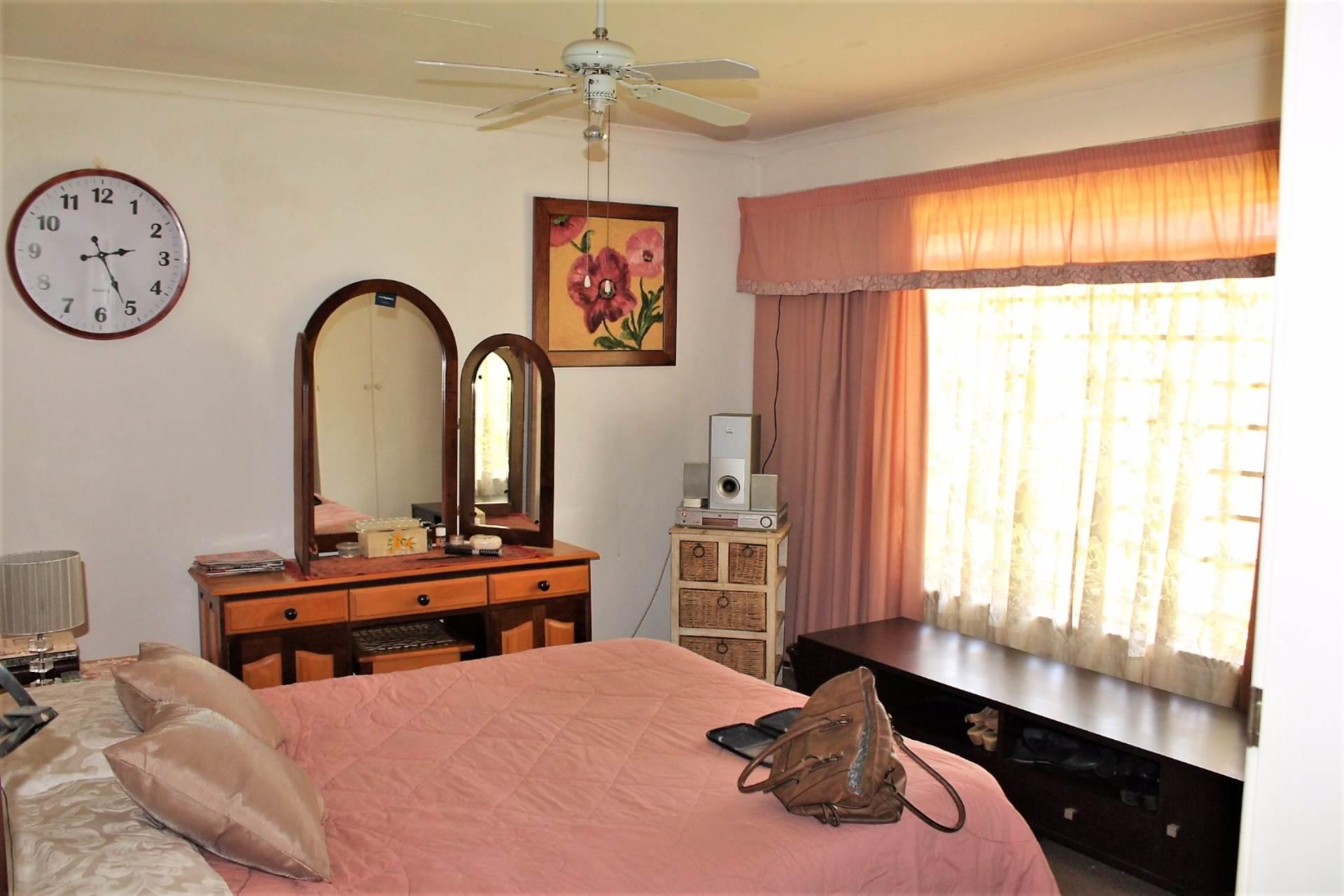 Dorandia property for sale. Ref No: 13534175. Picture no 6