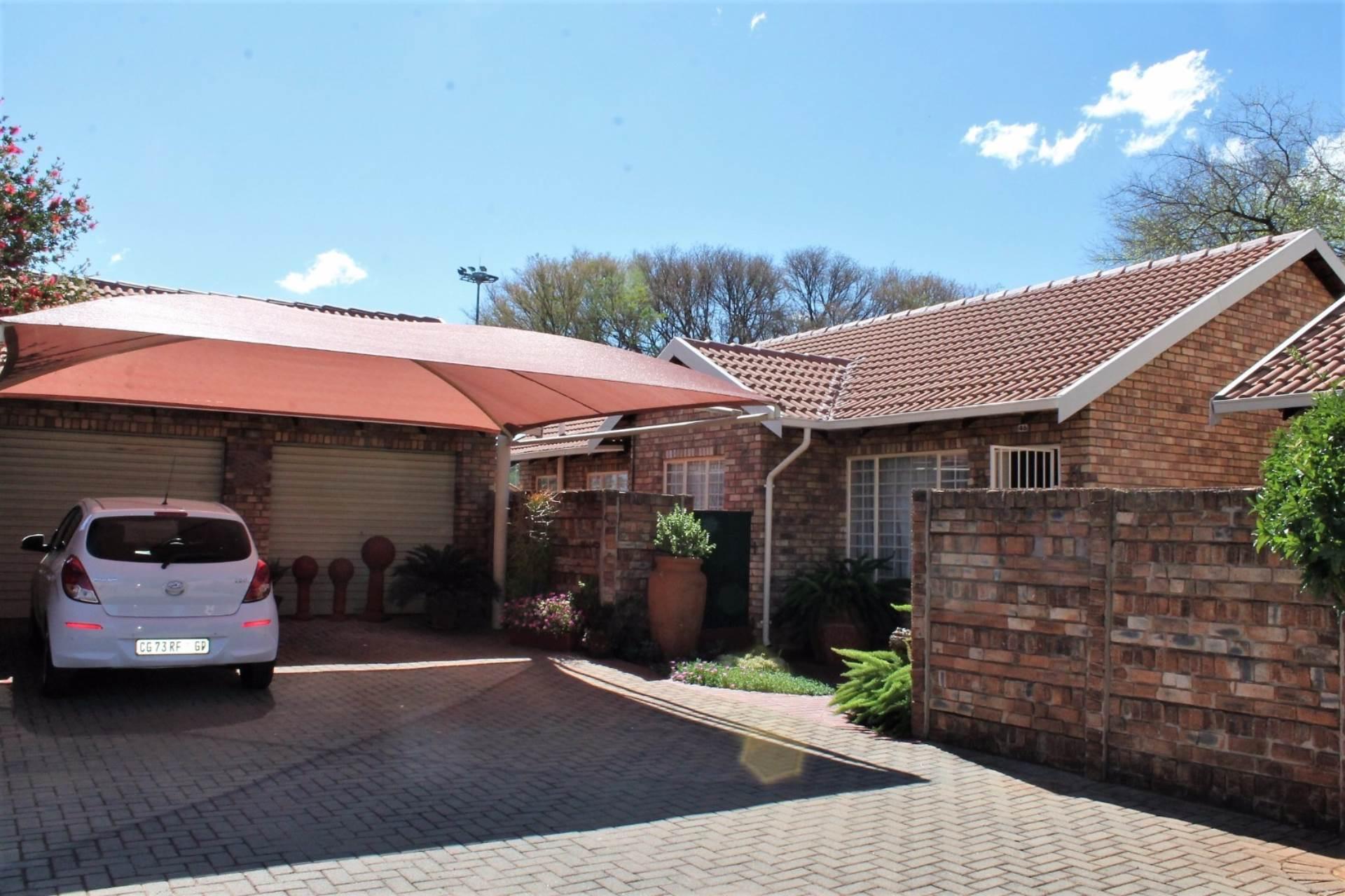 Dorandia property for sale. Ref No: 13534175. Picture no 2