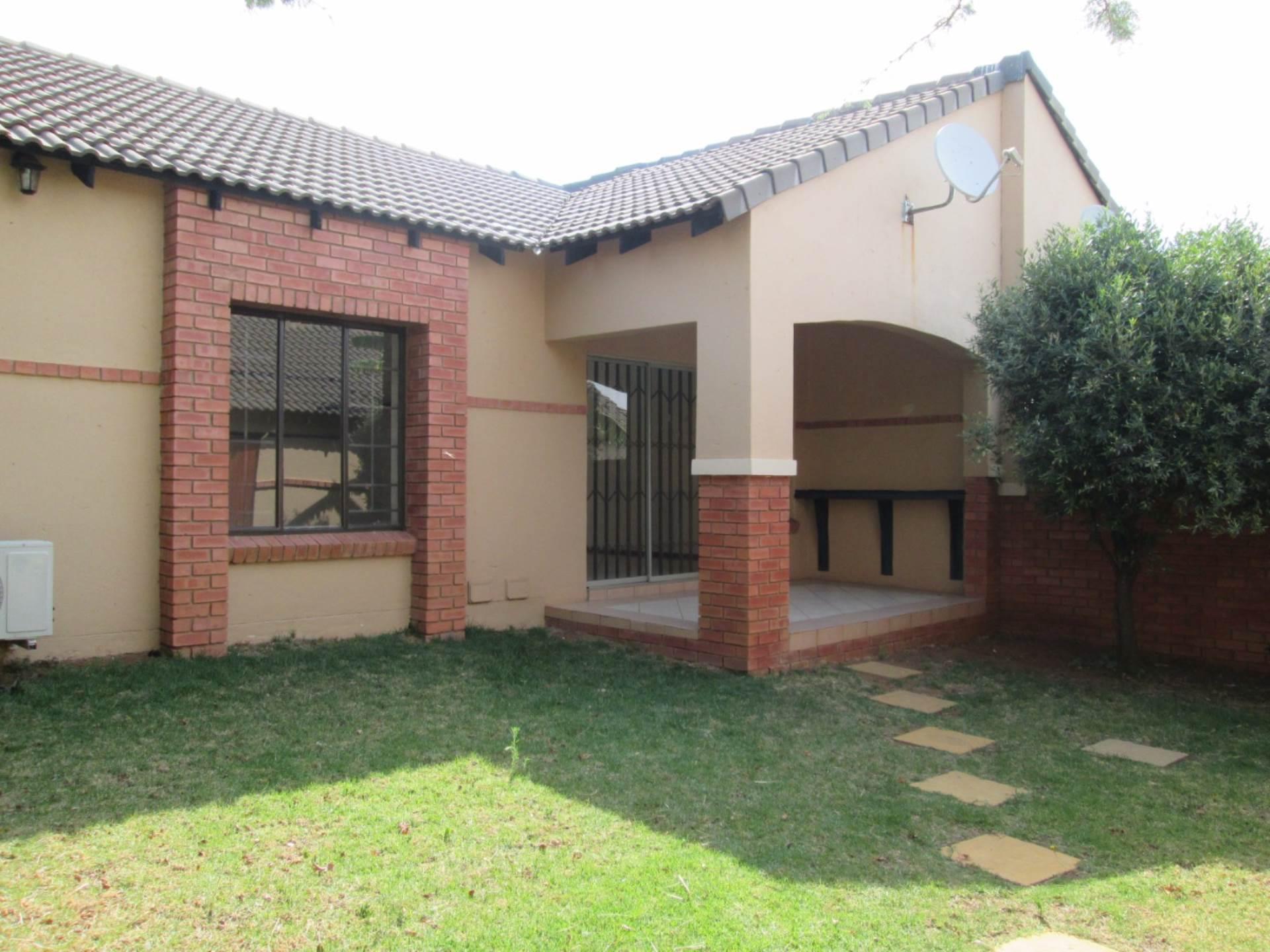 Pretoria, Equestria Property    Houses To Rent Equestria, EQUESTRIA, Townhouse 2 bedrooms property to rent Price:,  8,00*