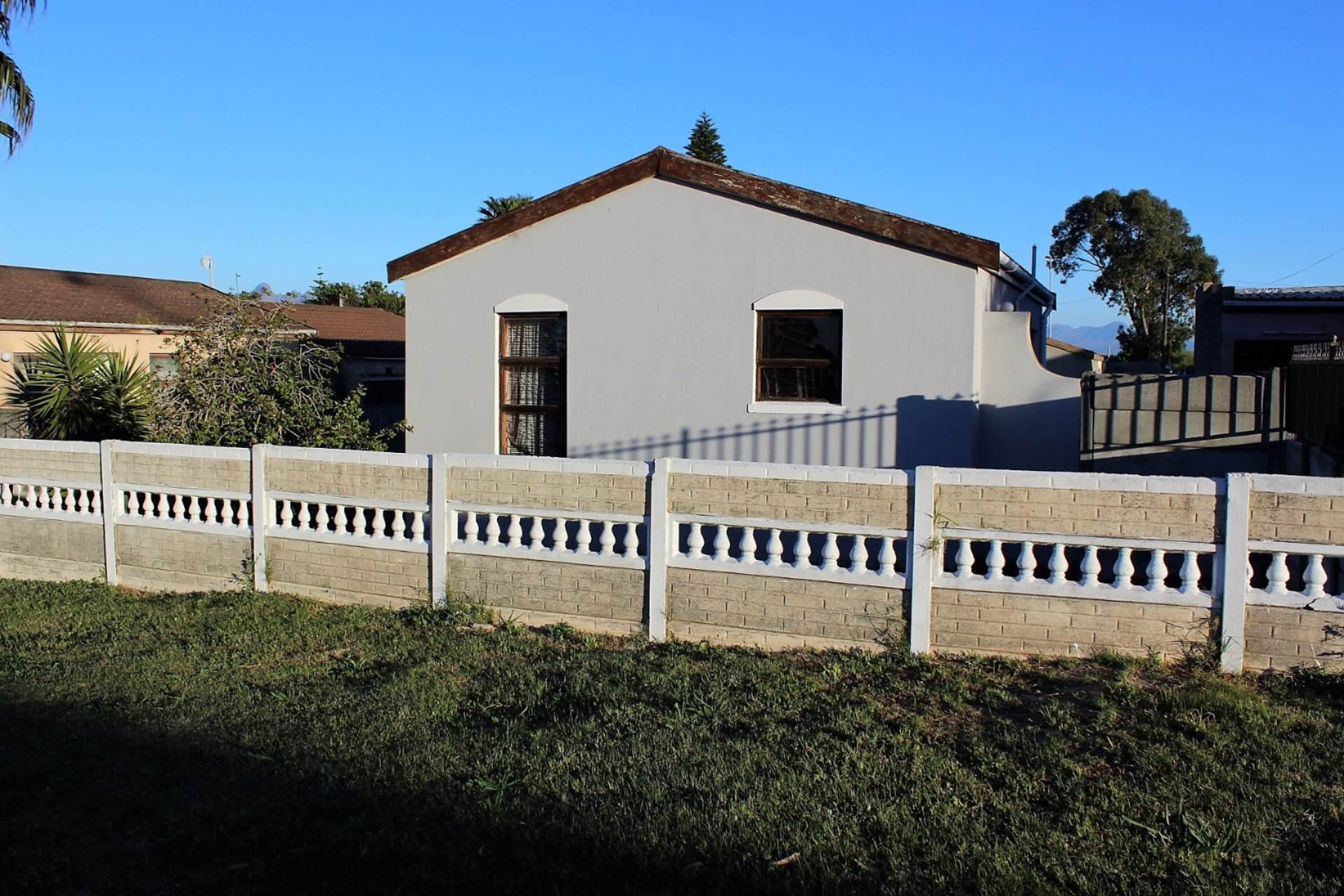 2 BedroomHouse For Sale In Kleinvlei