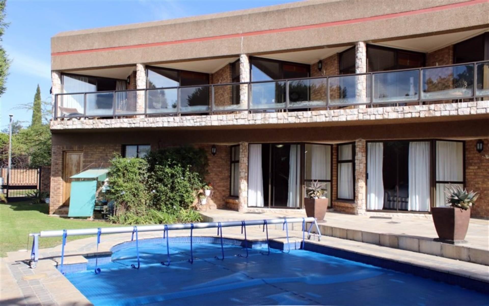 6 BedroomHouse For Sale In Everglen