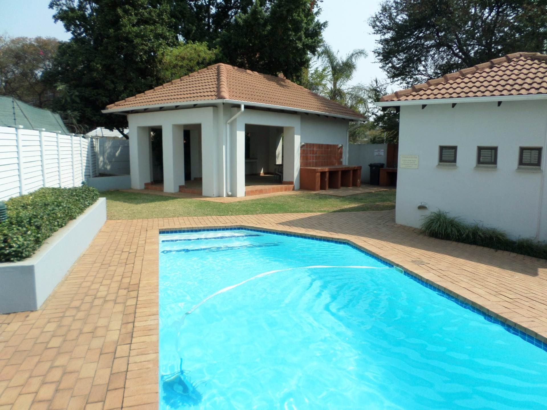 2 BedroomFlat To Rent In Groenkloof