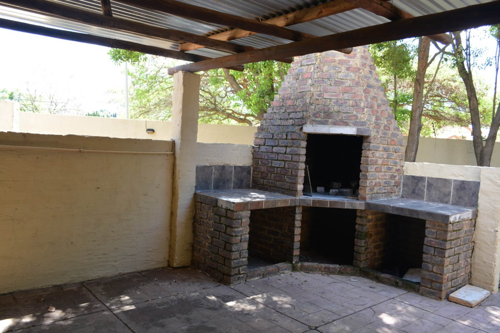 Newlands property to rent. Ref No: 13541220. Picture no 2