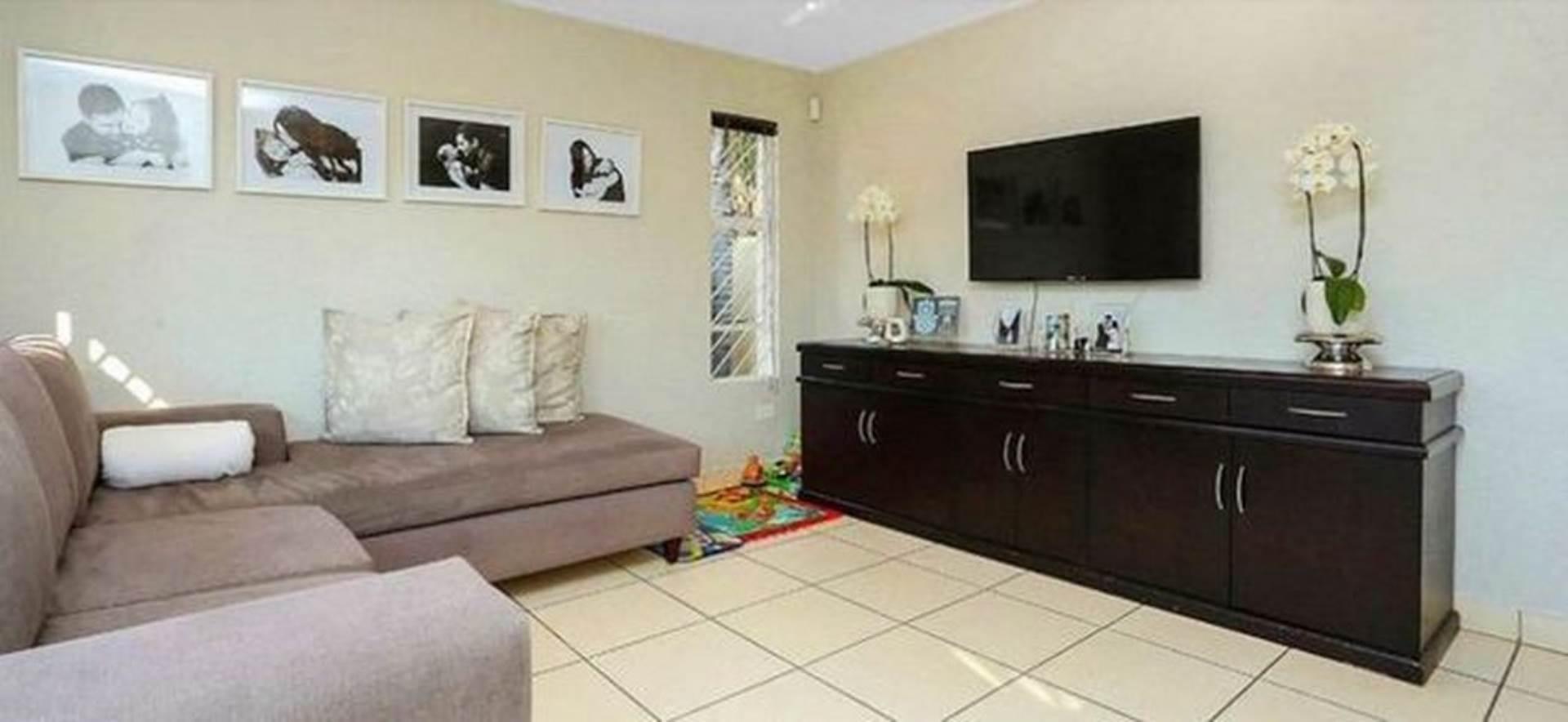 3 BedroomCluster To Rent In Glenhazel