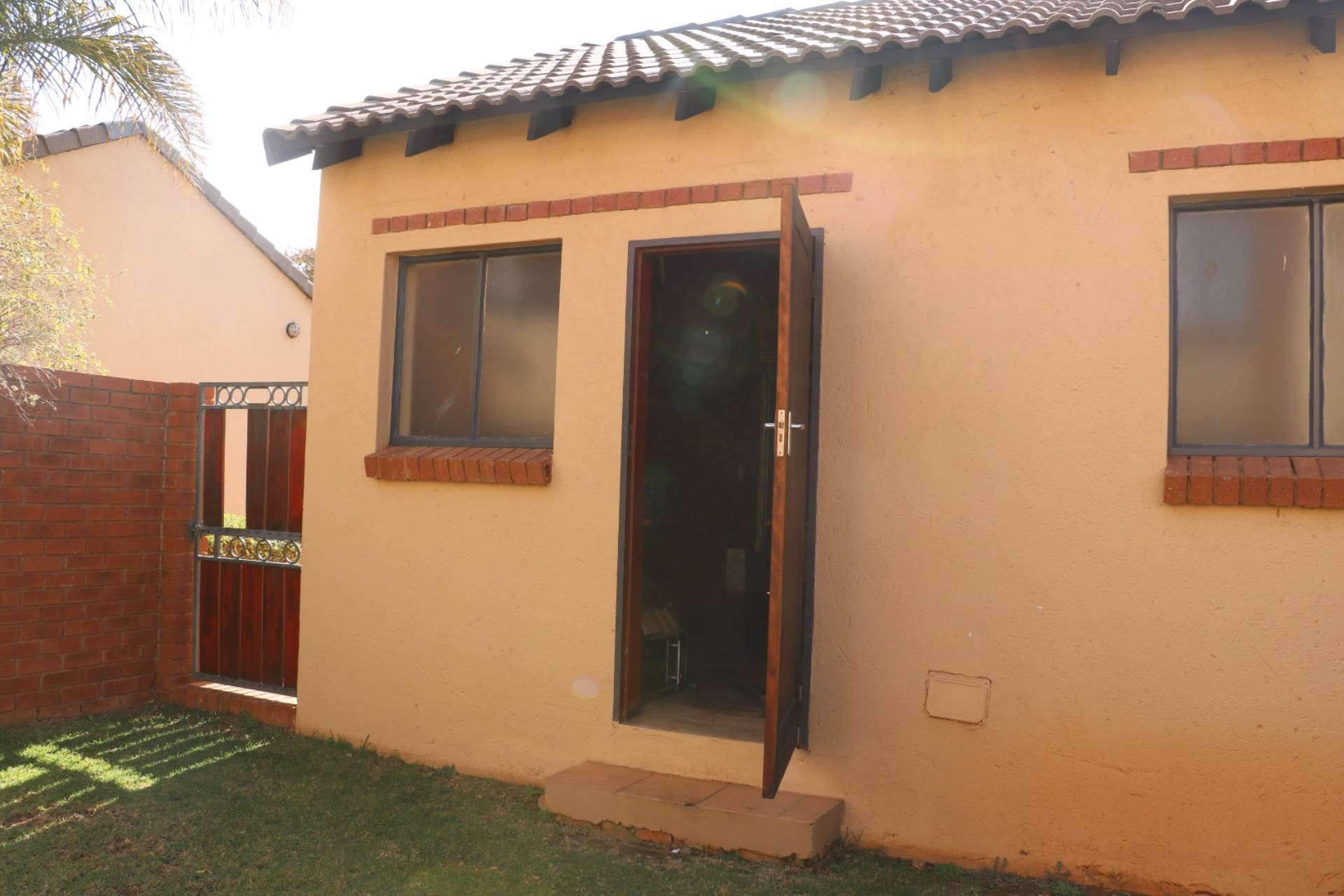 Mooikloof Ridge property for sale. Ref No: 13541409. Picture no 5