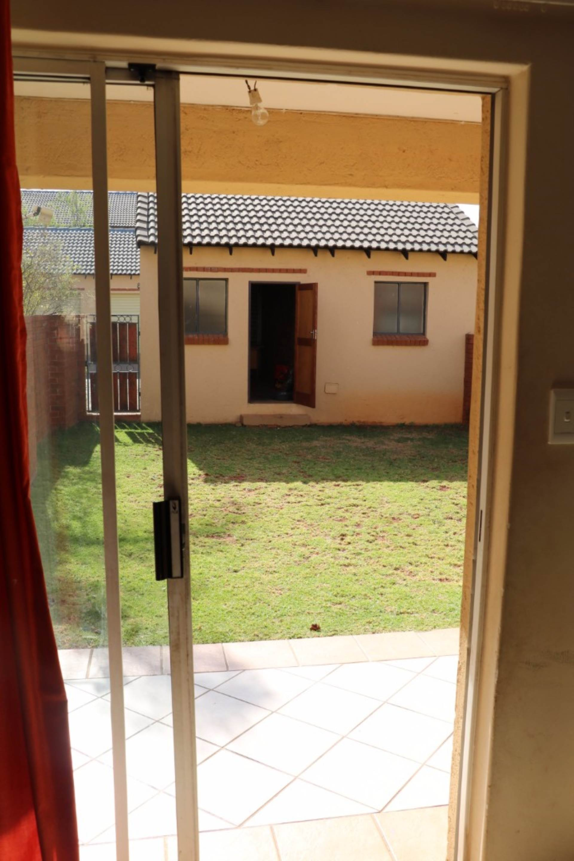 Mooikloof Ridge property for sale. Ref No: 13541409. Picture no 2