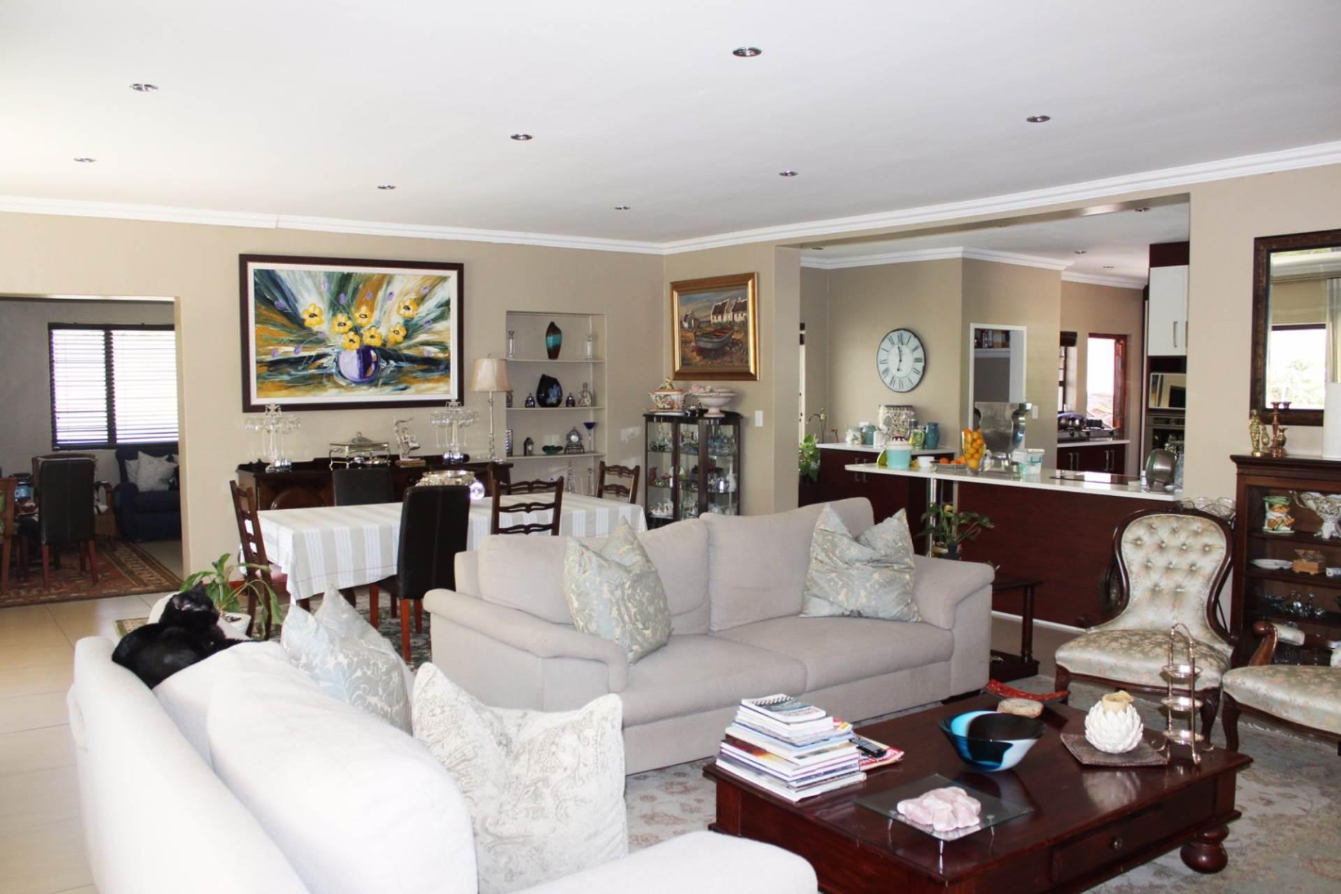 5 BedroomHouse To Rent In Beverley Gardens