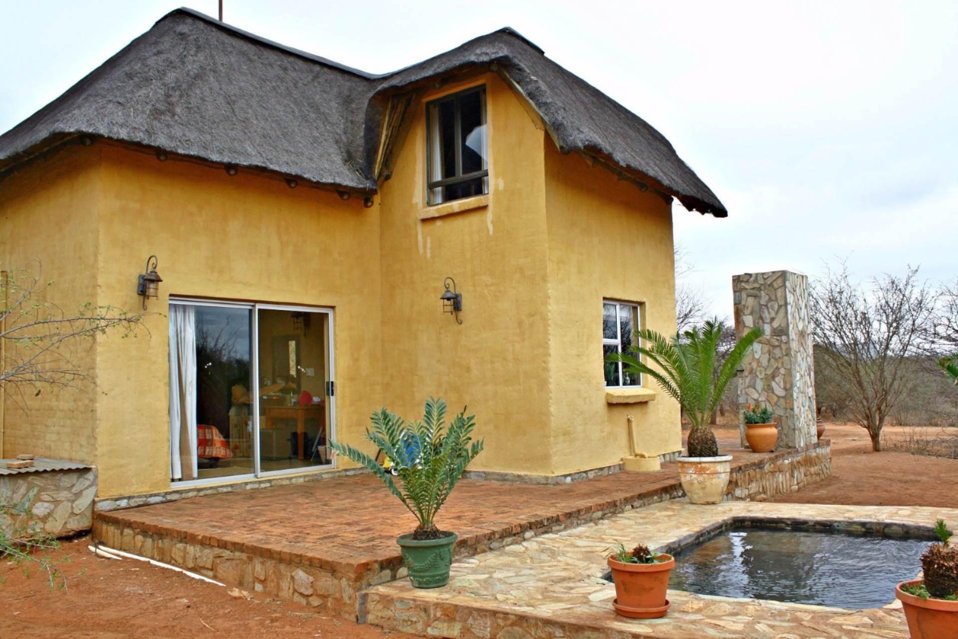2 BedroomHouse For Sale In Hoedspruit Wildlife Estate