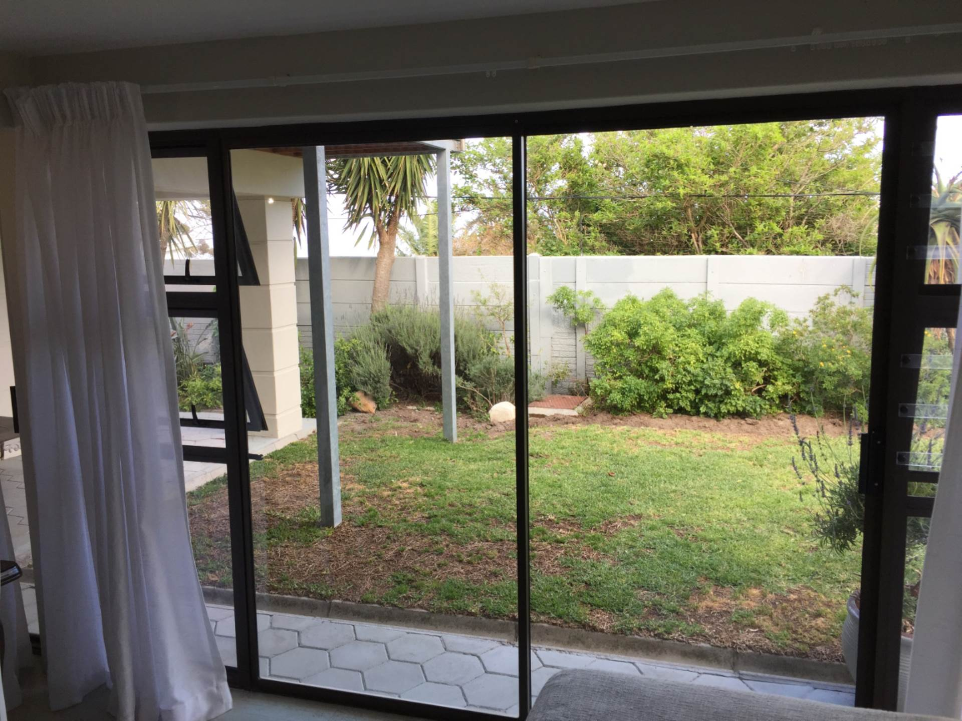 Camps Bay property to rent. Ref No: 13543736. Picture no 1