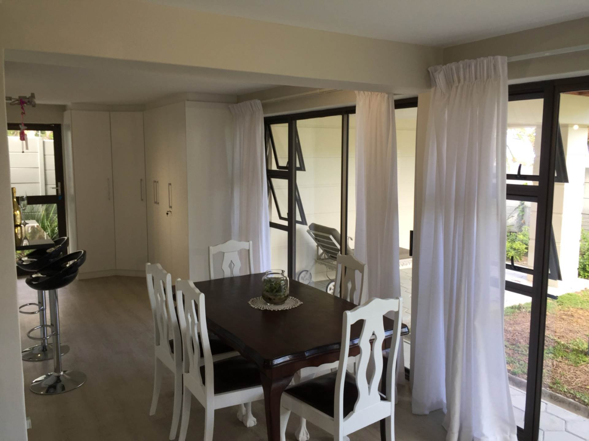 Camps Bay property to rent. Ref No: 13543736. Picture no 5