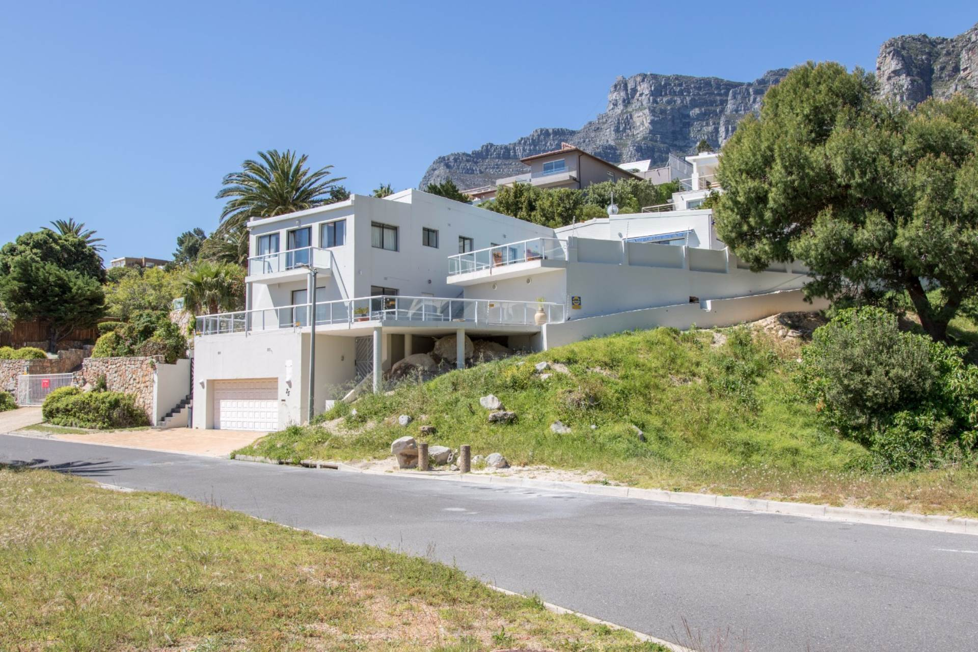 Cape Town, Camps Bay Property    Houses To Rent Camps Bay, CAMPS BAY, House 4 bedrooms property to rent Price:, 42,00*