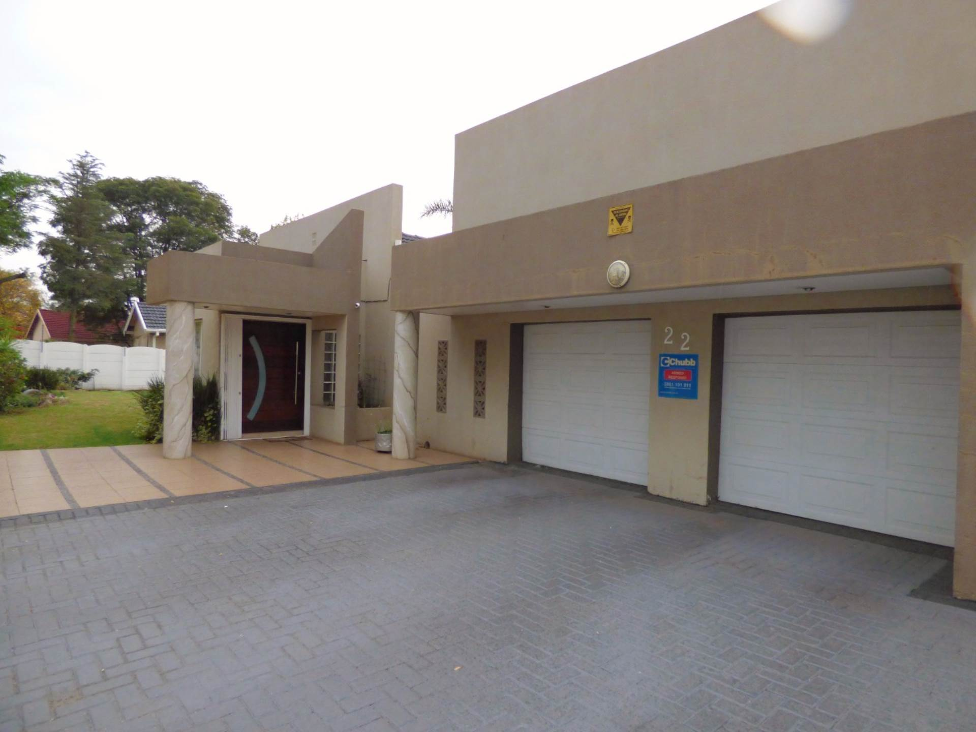 3 BedroomHouse For Sale In Mackenzie Park