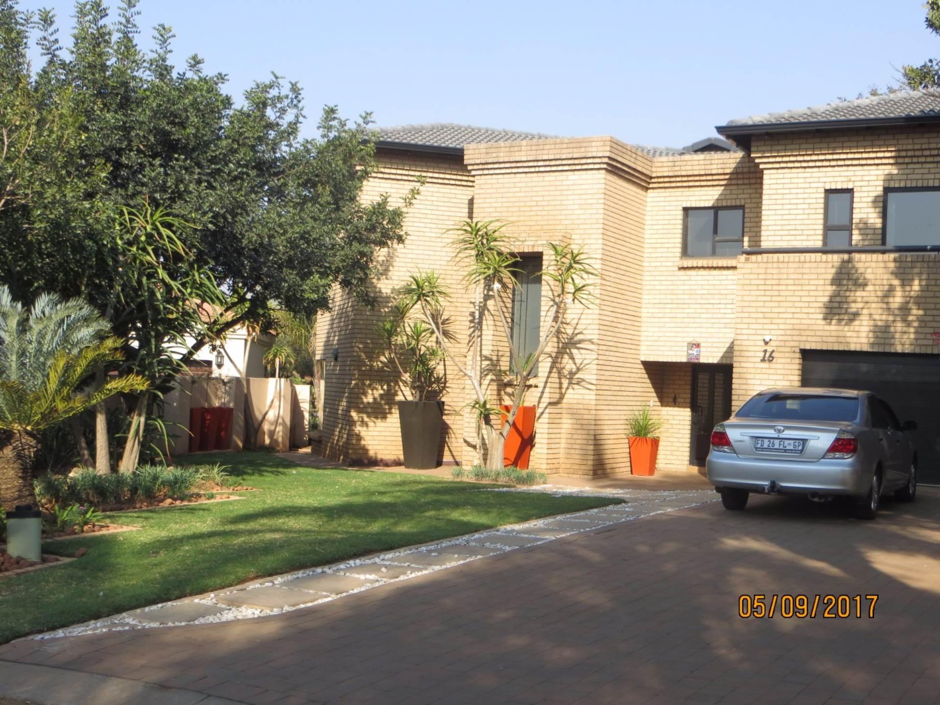 4 BedroomHouse To Rent In Centurion Golf Estate