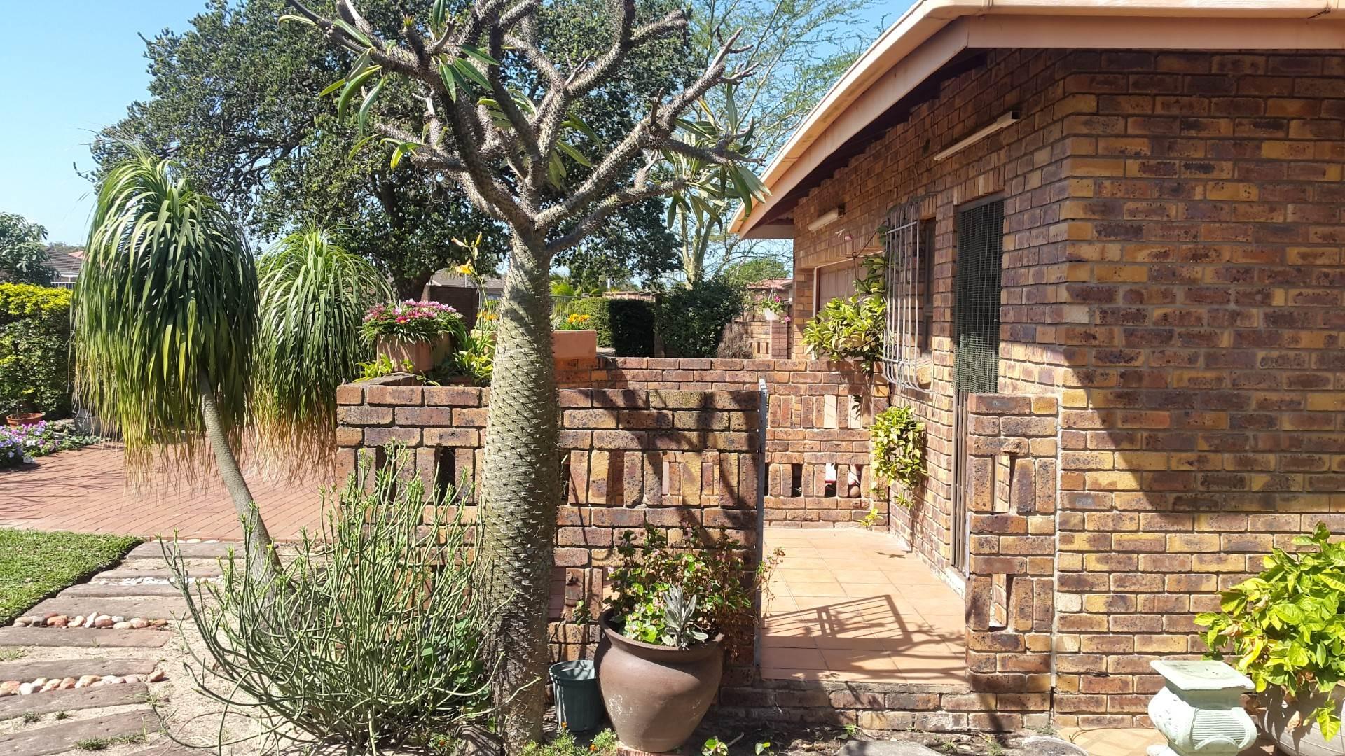 3 BedroomTownhouse For Sale In Birdswood